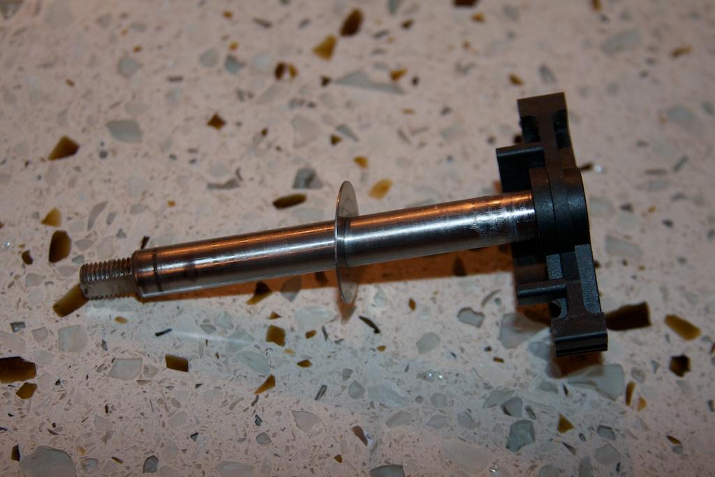 ///Teardown!\\ S85 Throttle Actuator-14-second-reduction-spur-shaft.jpg