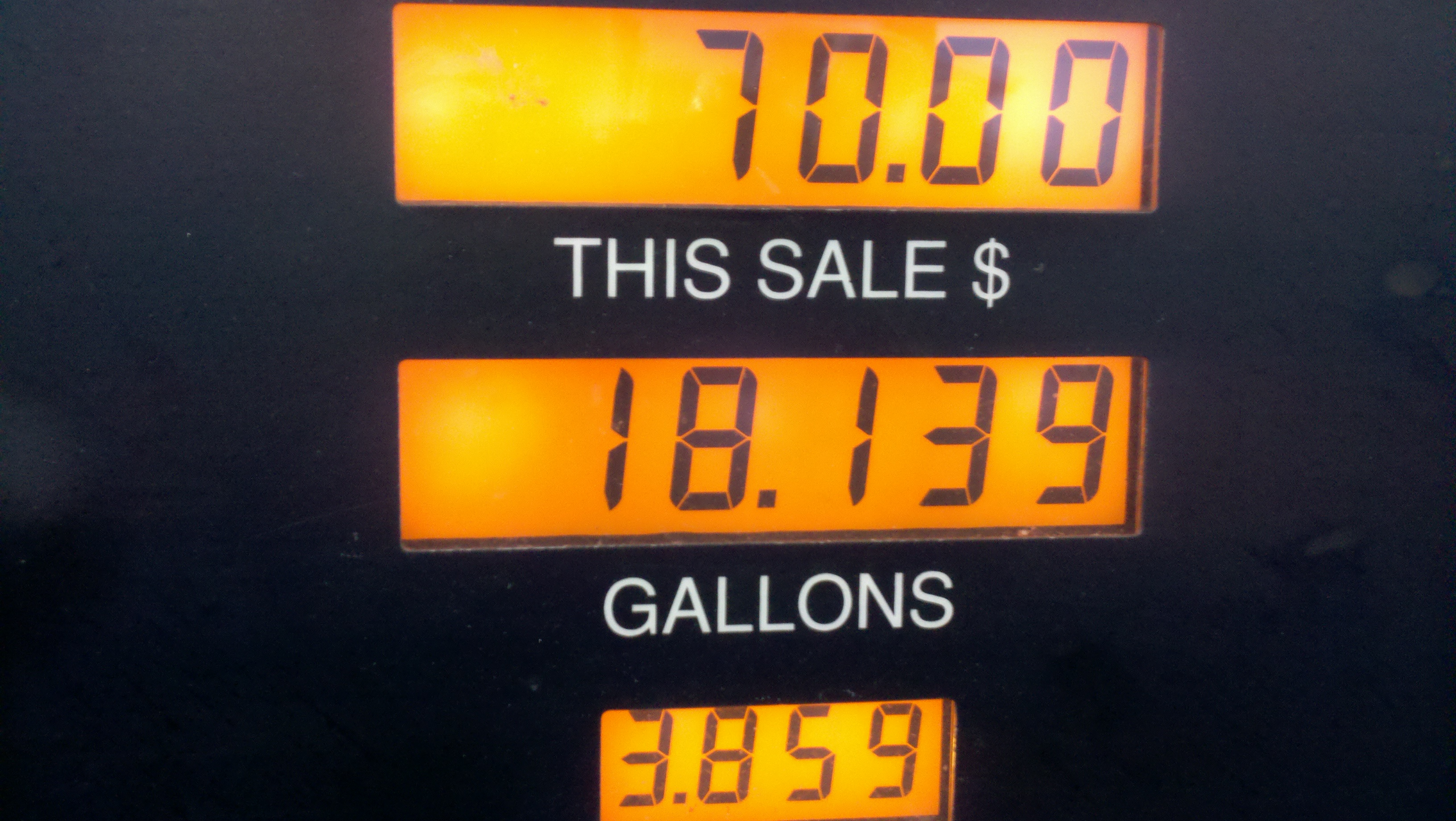 How many gallons of gas can my beast hold?-2011-03-31_19-17-47_69.jpg