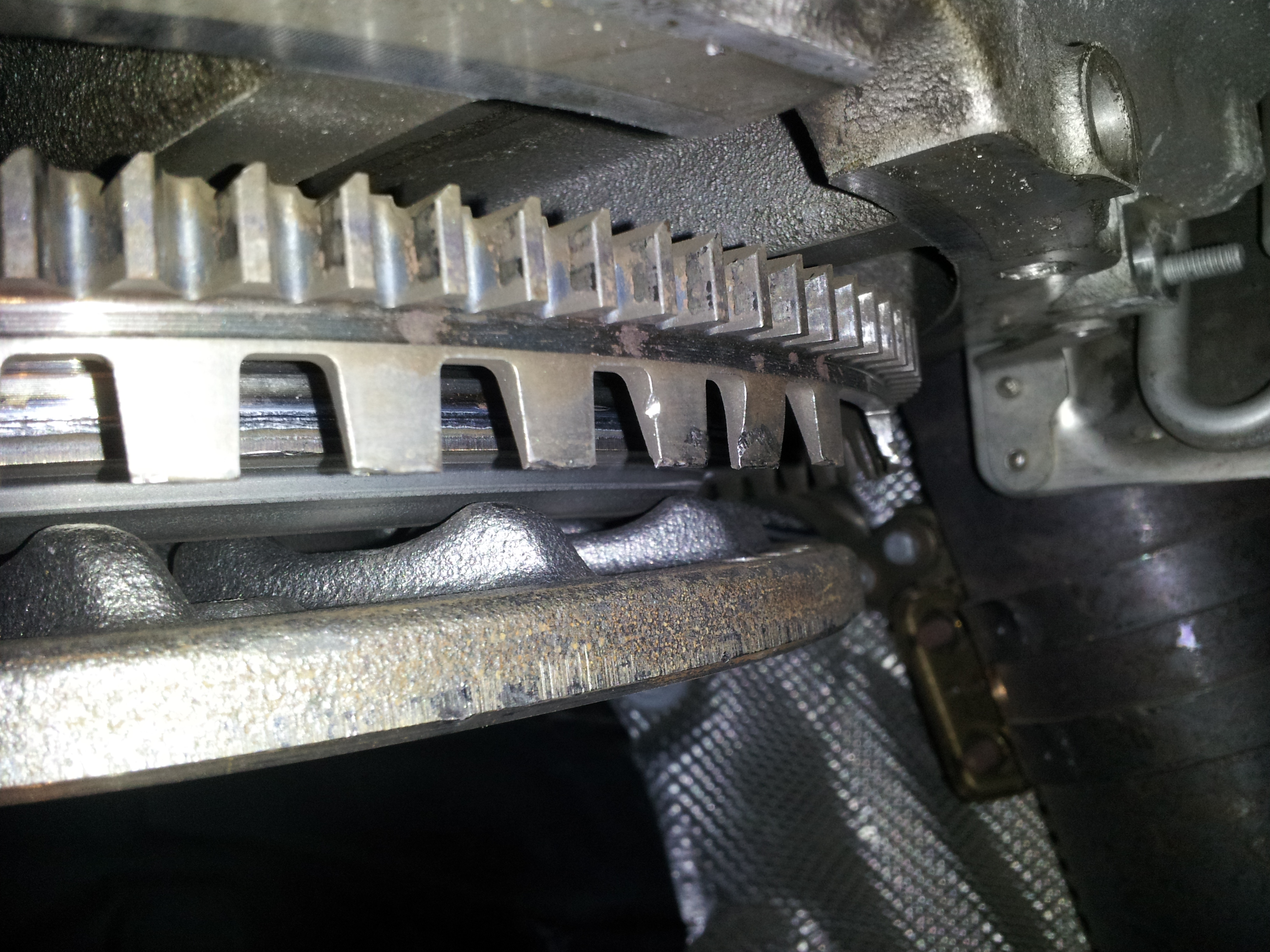 Flywheel Damage-20120517_160308.jpg