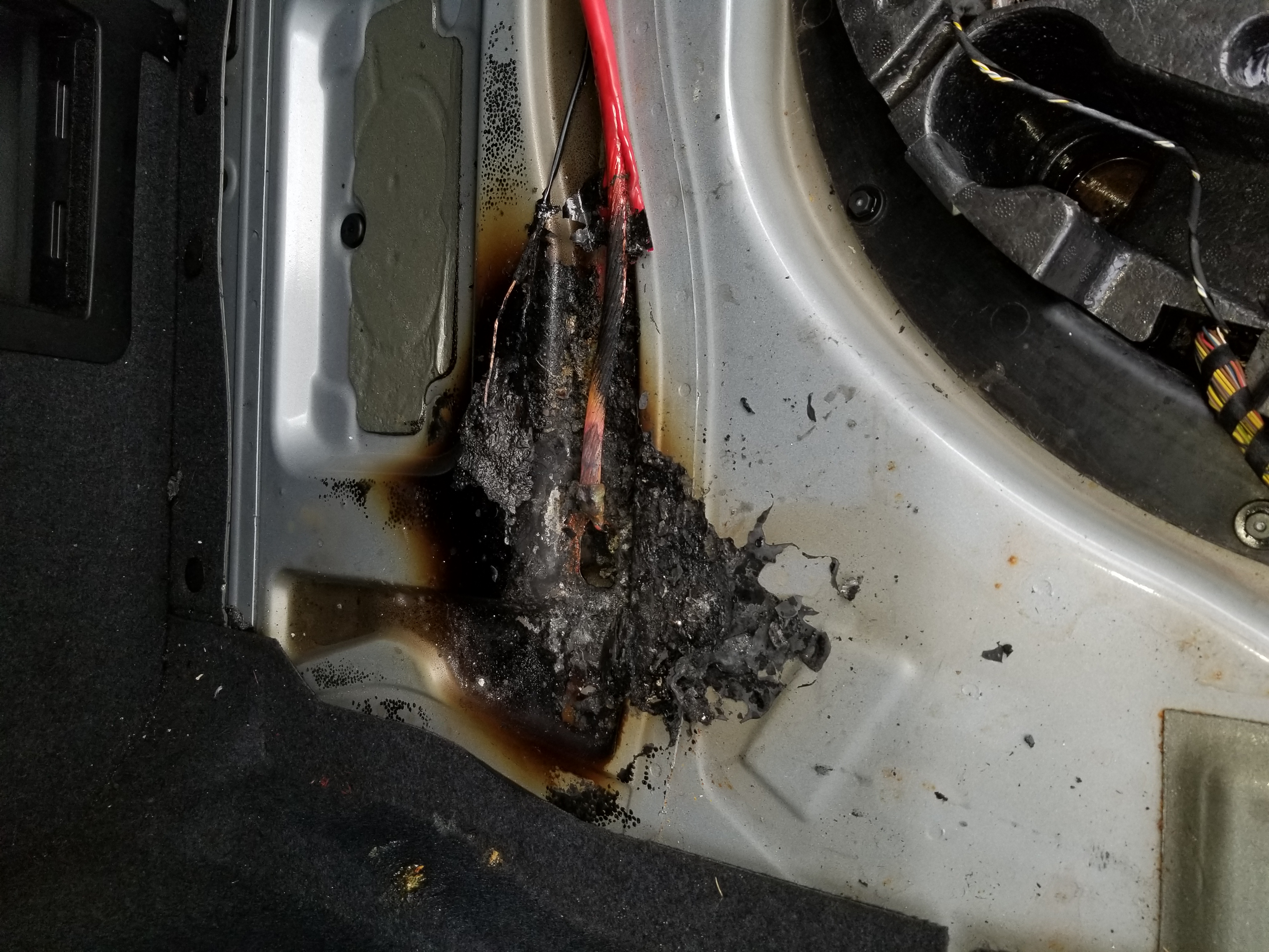 battery cable burned up in flames bmw m5 forum and m6 forums. Black Bedroom Furniture Sets. Home Design Ideas