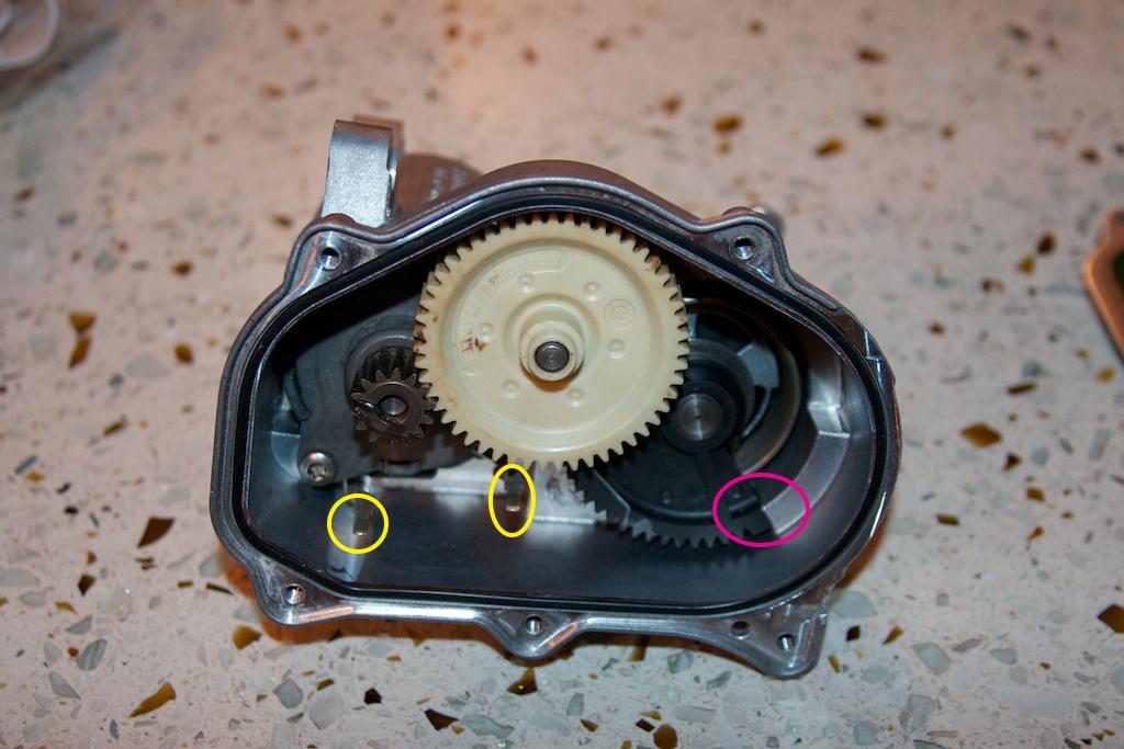 ///Teardown!\\ S85 Throttle Actuator-4-cover-off-first.jpg