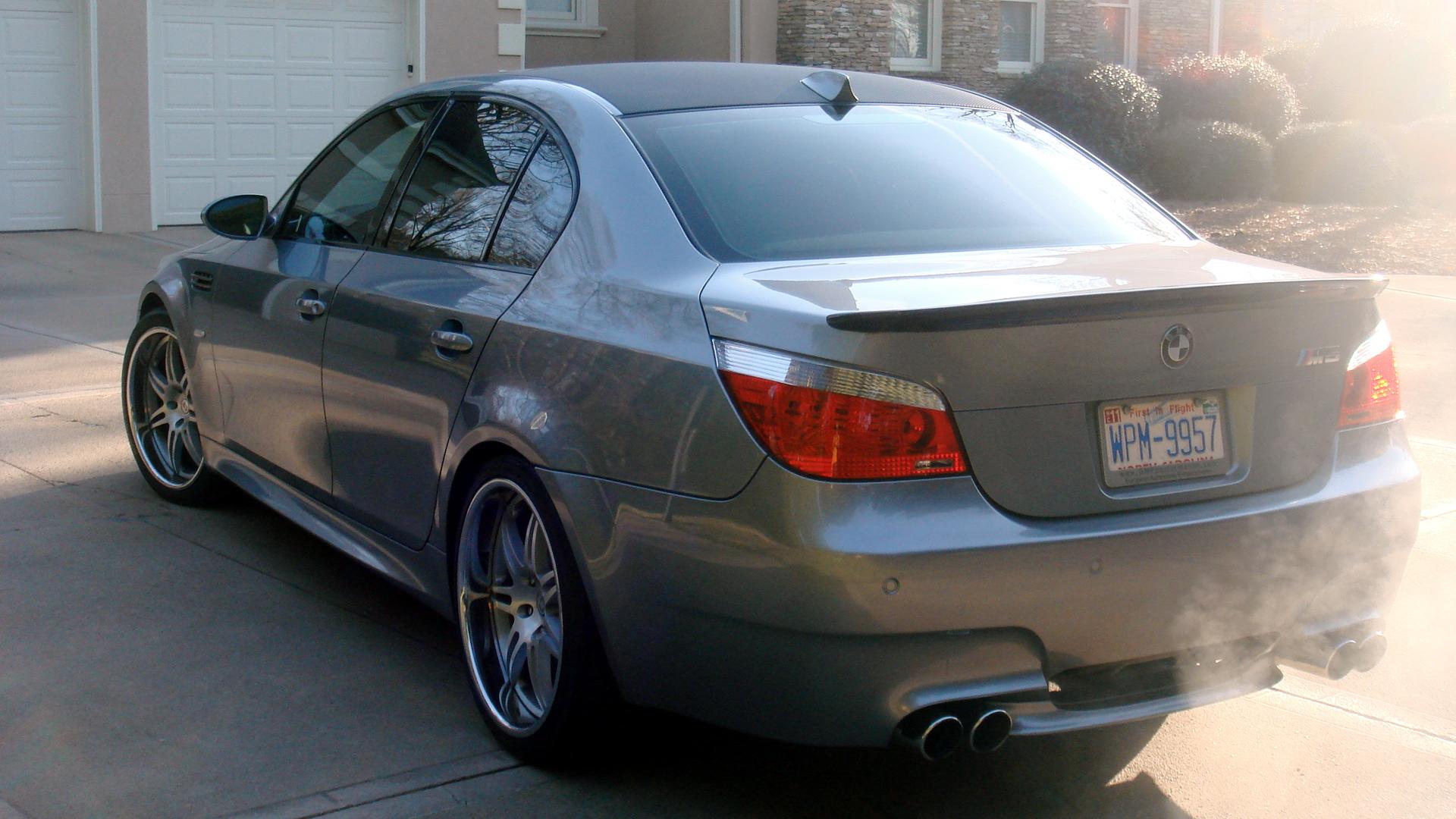 Vinyl Wrap Forum >> Carbon Vinyl Roof Wrap - BMW M5 Forum and M6 Forums