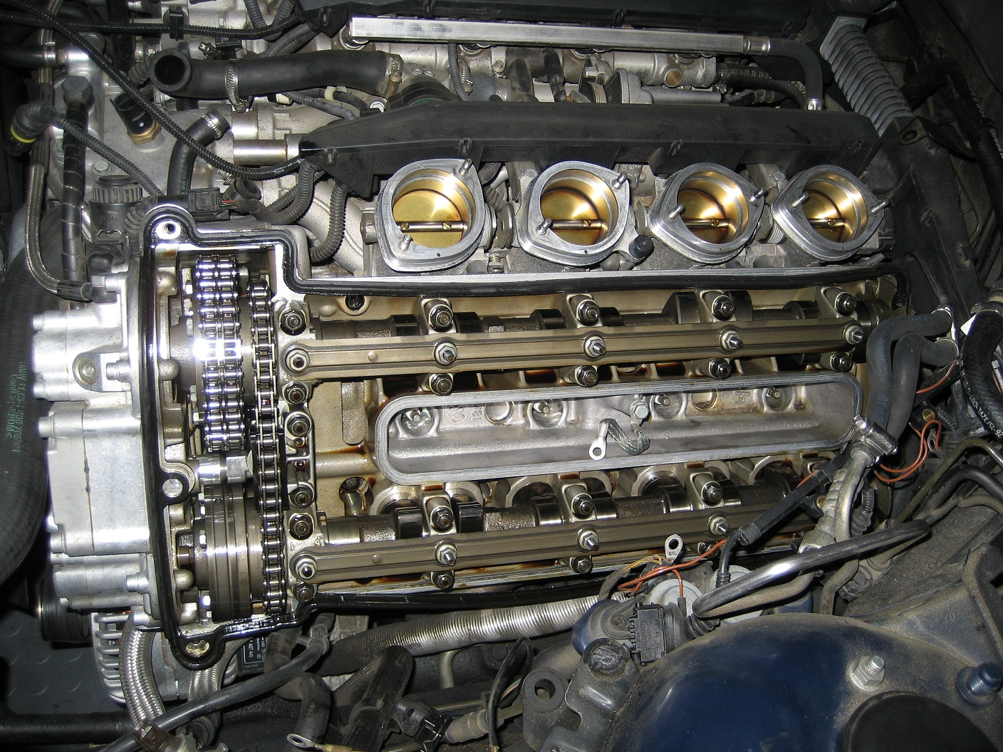 Engine making loud noise, what is it?-engine-001b.jpg