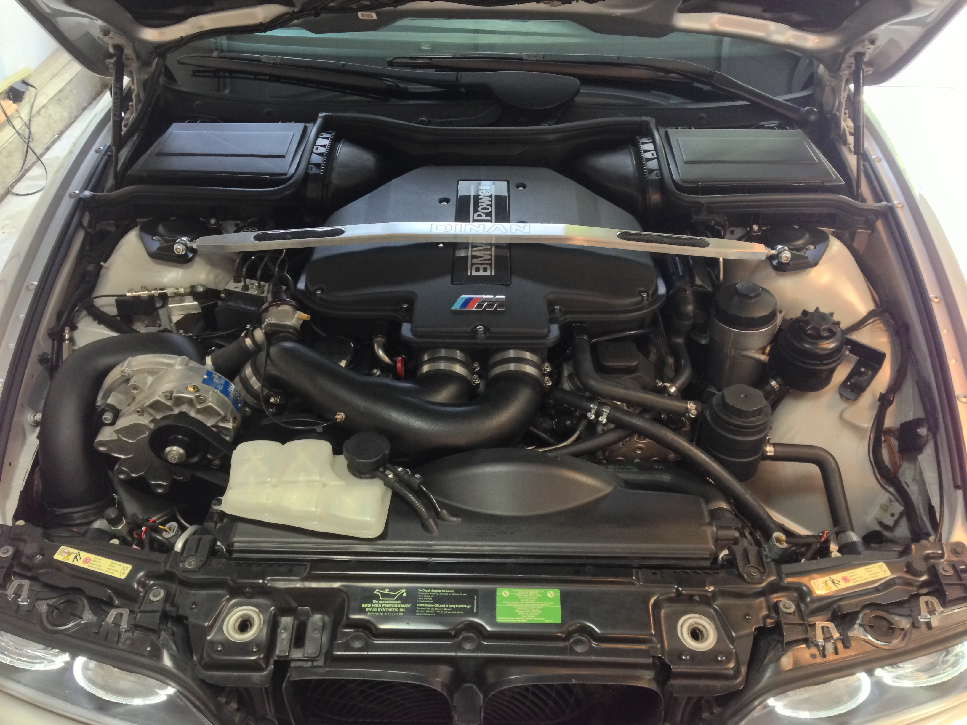 What did you do for your ///M5 today?-engine-compartment-air_water-system.jpg