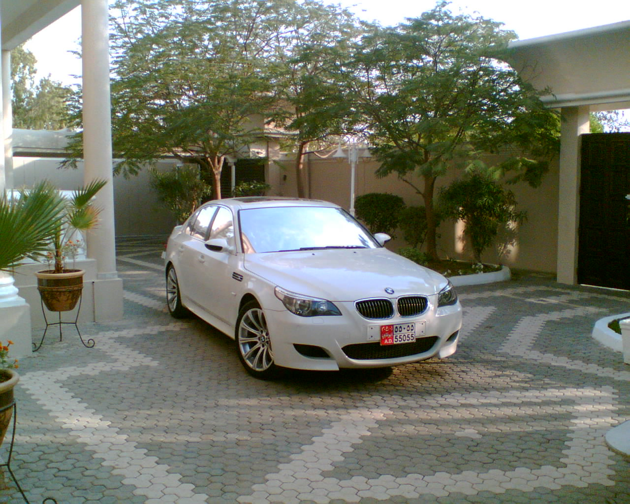 Got some cool welcome back Pics of my M 5 ! ! enjoy-image045.jpg