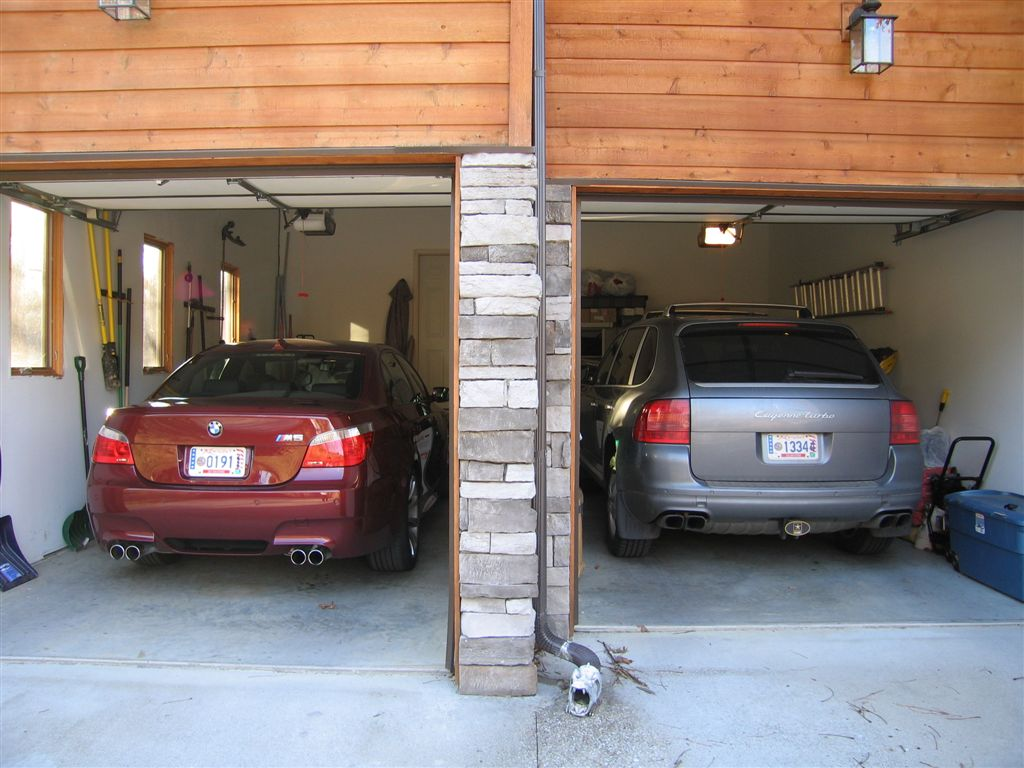 M5s parked in the garage pics bmw m5 forum and m6 forums for Garage bmw nice