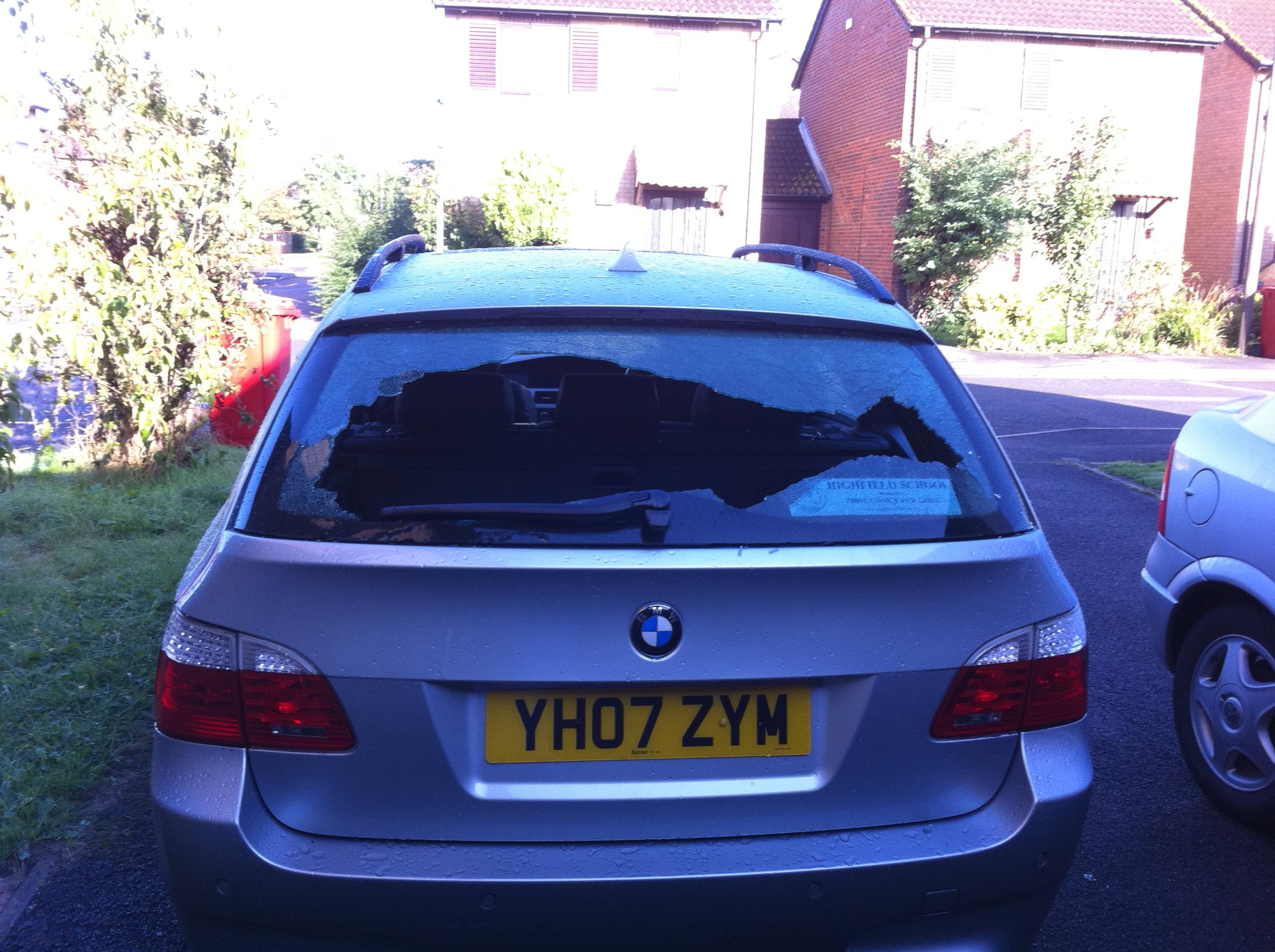 Car broken into last night-img_1053.jpg