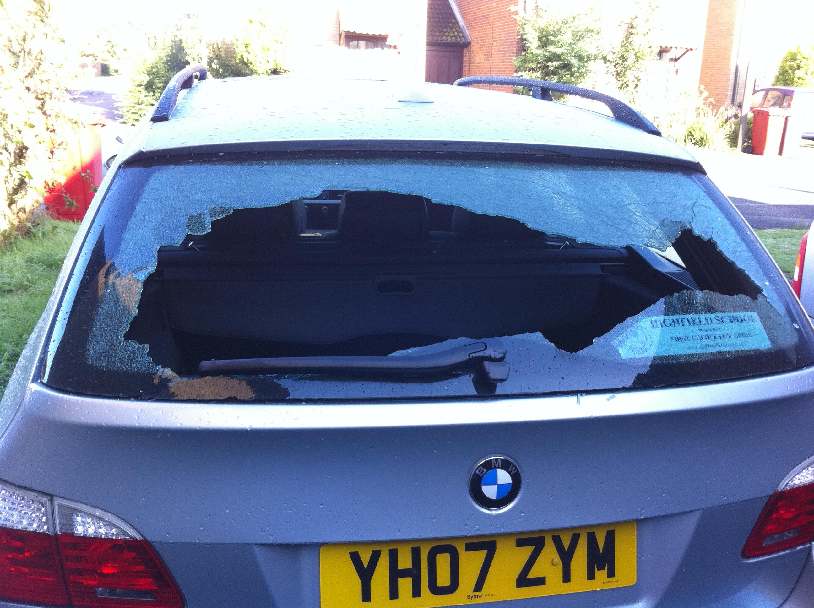 Car broken into last night-img_1055.jpg