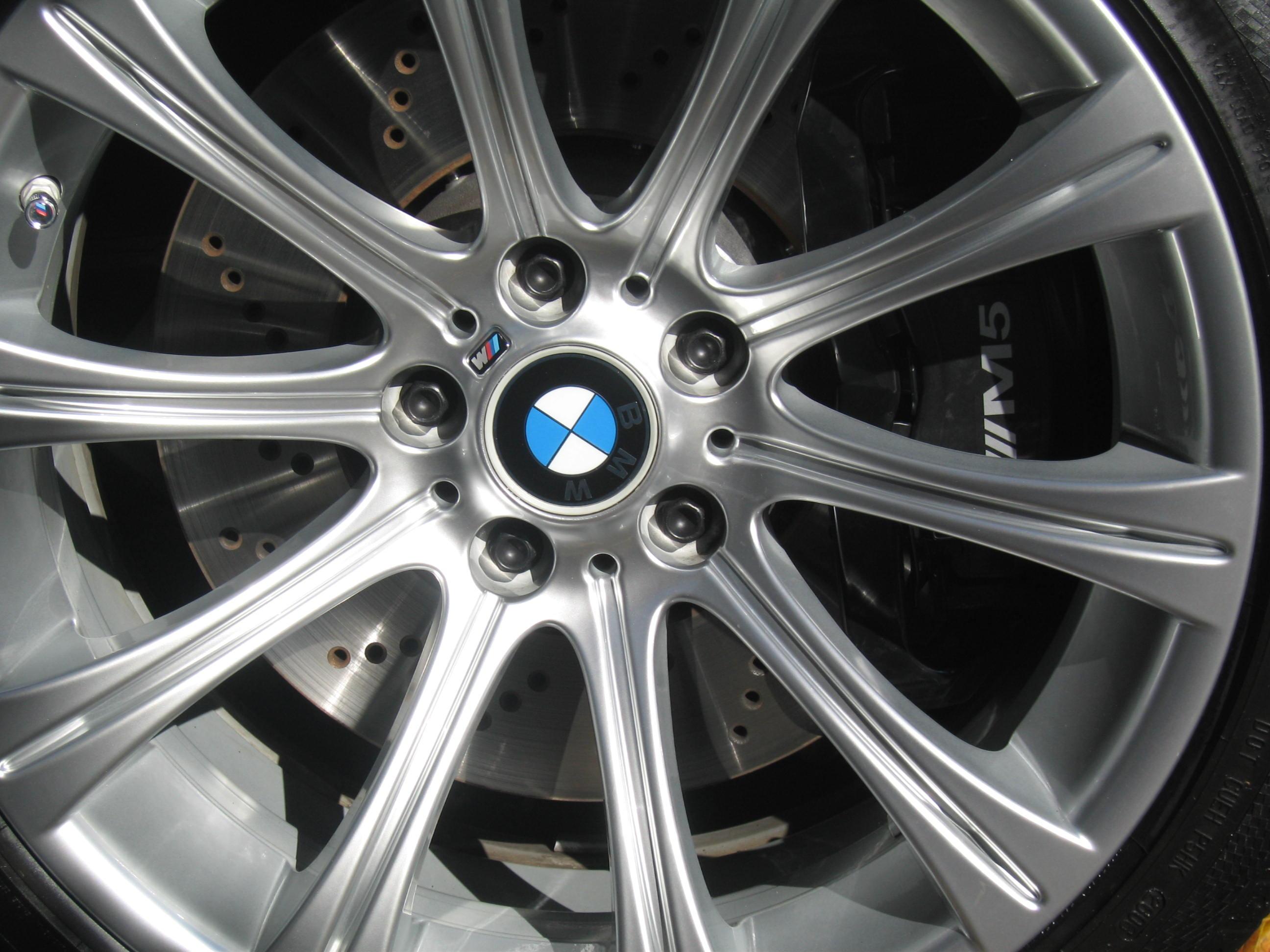 M Brake Caliper Decals Installed BMW M Forum And M Forums - Bmw brake caliper decals