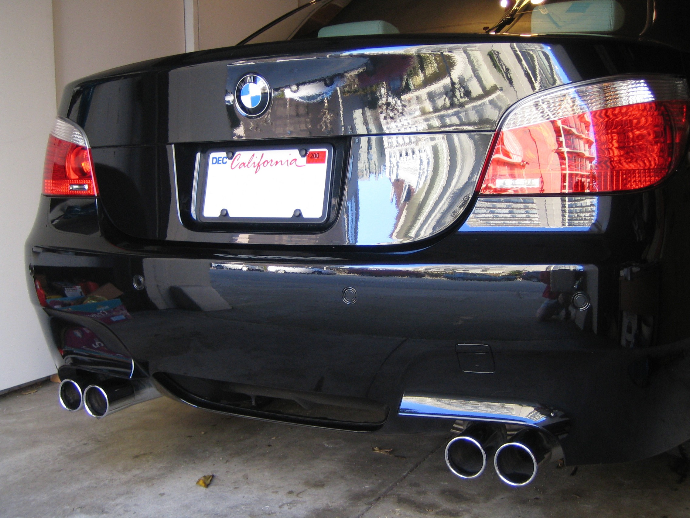 picture request: black/chrome license plate frames? - bmw m5 forum
