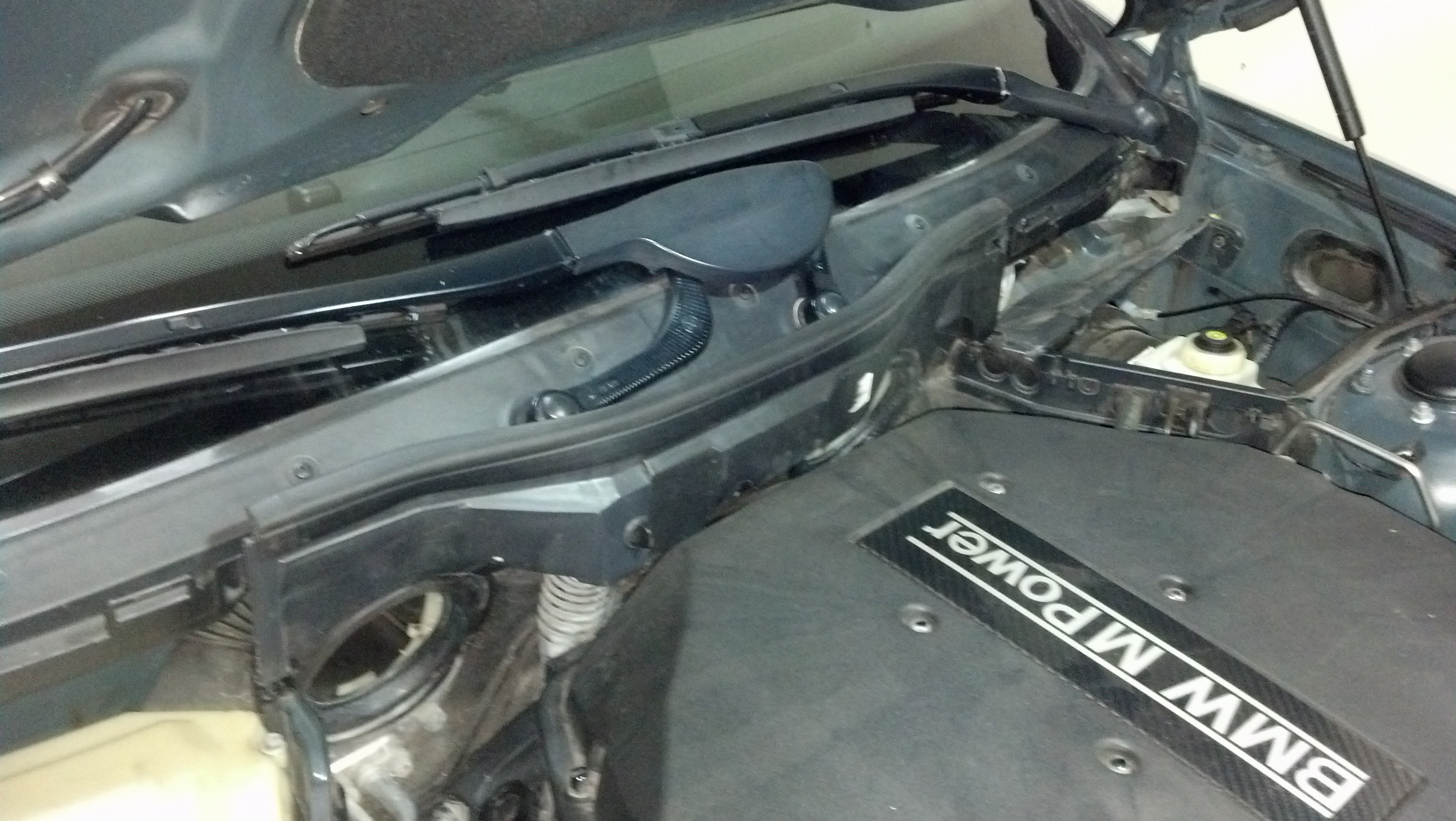 E39 - Replacement of the Left and Right Firewall Covers-img_20131130_195158_840.jpg