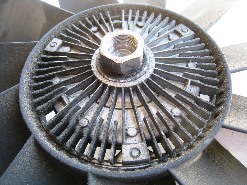 DIY: Fan clutch replacement *PICS*-img_2787.jpg