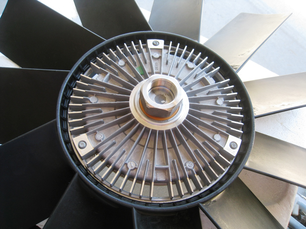 DIY: Fan clutch replacement *PICS*-img_2792.jpg