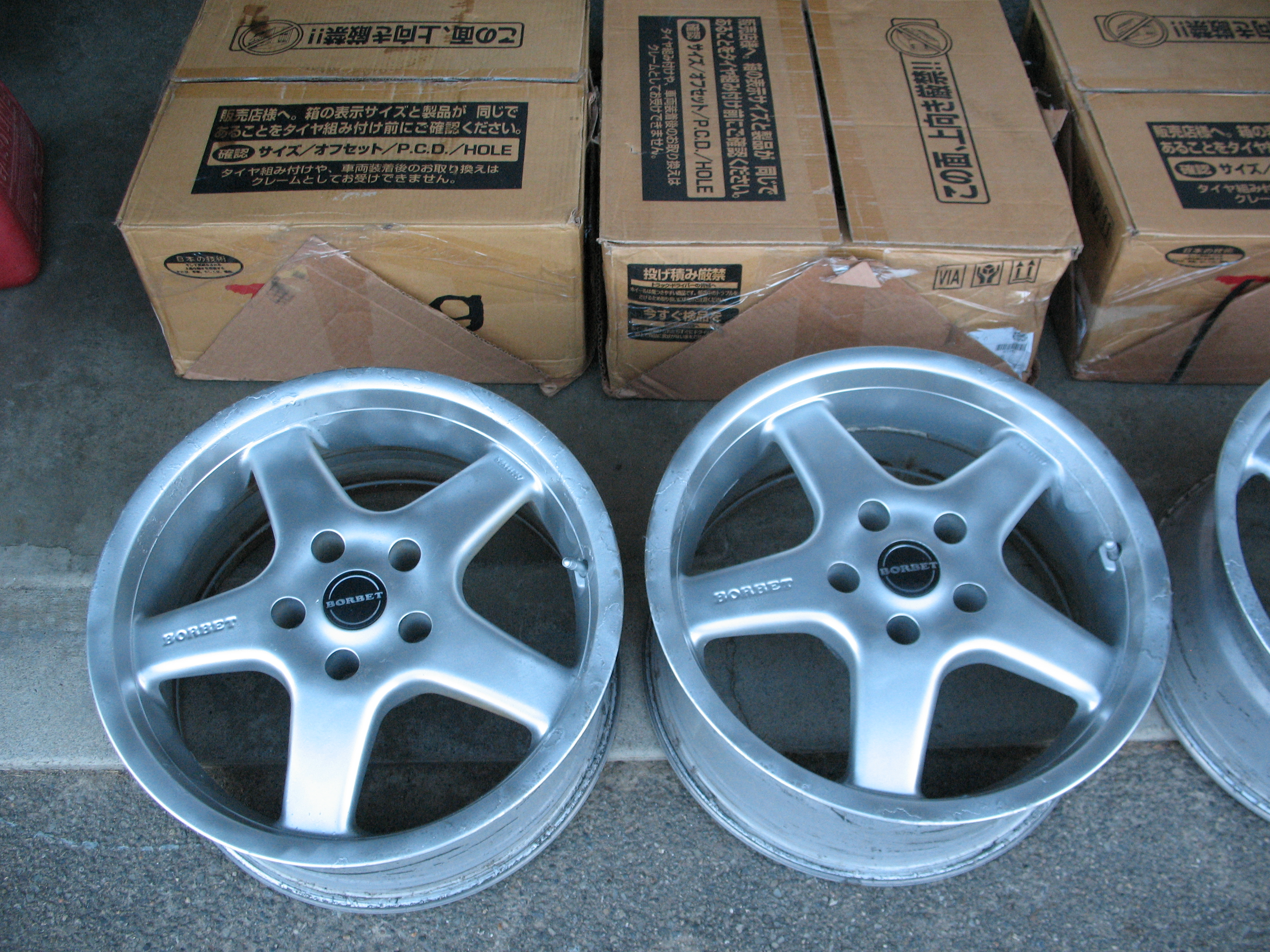 "Snows for sale - 17"" Borbet Alloy Rims for E39-img_4096.jpg"