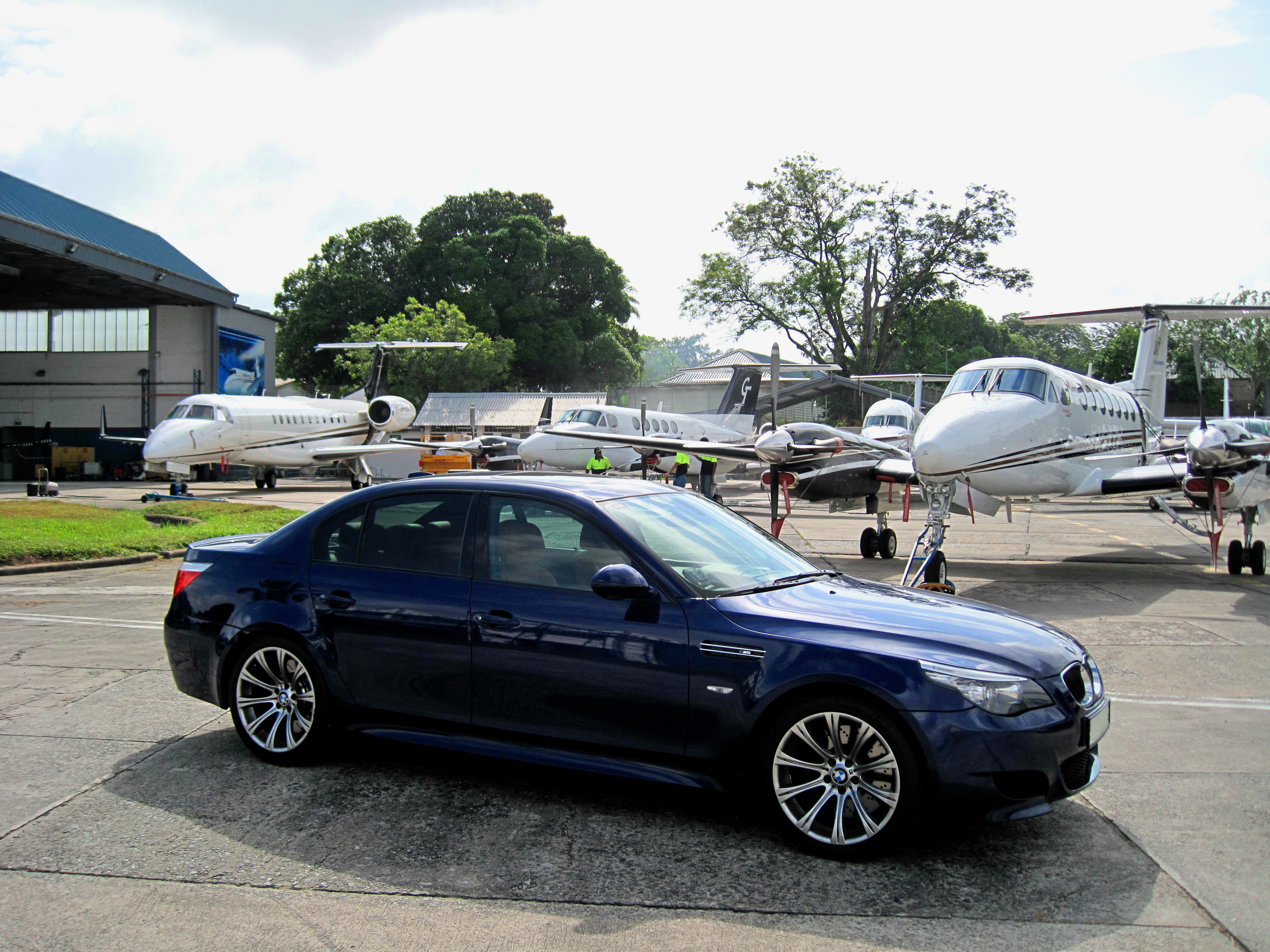 M5 And Aircraft Bmw M5 Forum And M6 Forums
