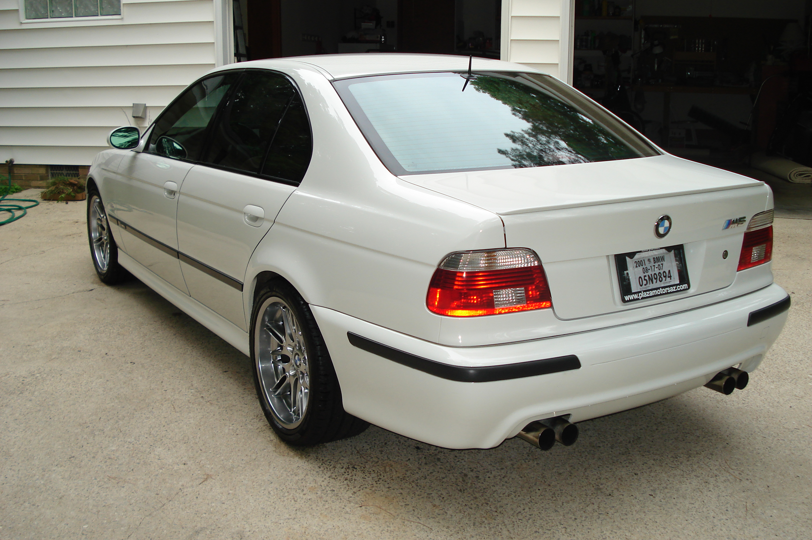 Pics from my first Wash-m5-driver-side-rear.jpg
