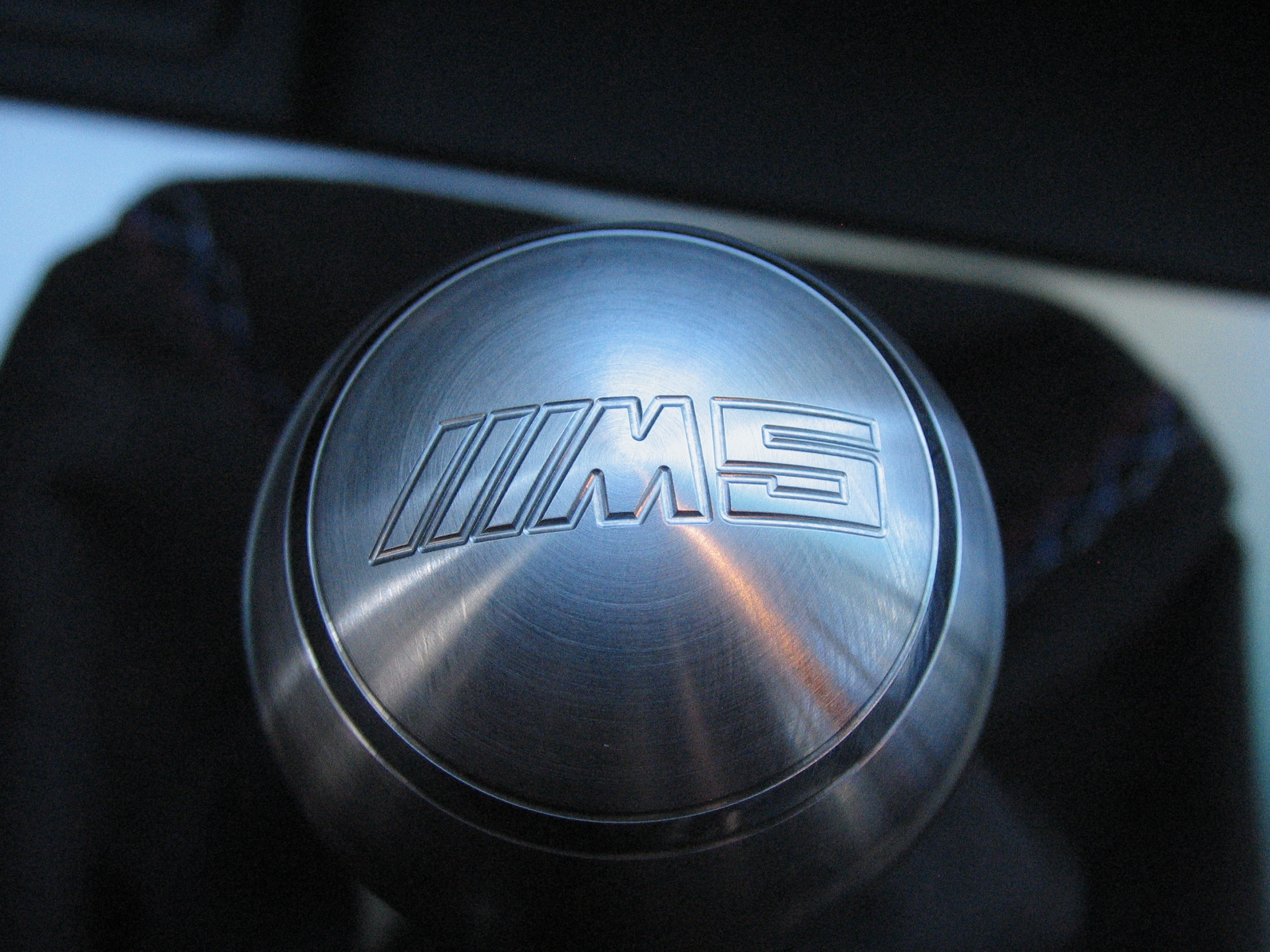 6 speed pattern E39 M5 shift knob in Aluminum-new-knob-new-boot-001.jpg