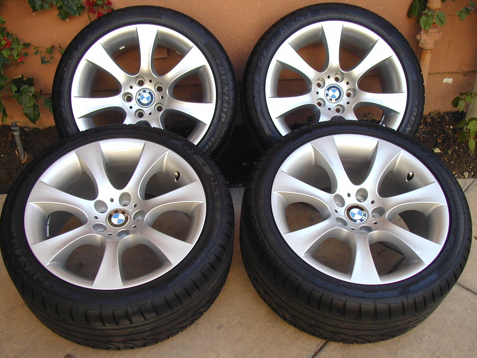 "2005 BMW E60 18""-7 spoke OEM Factory Sport wheels staggered w/new Dunlop tires-p1010002.jpg"
