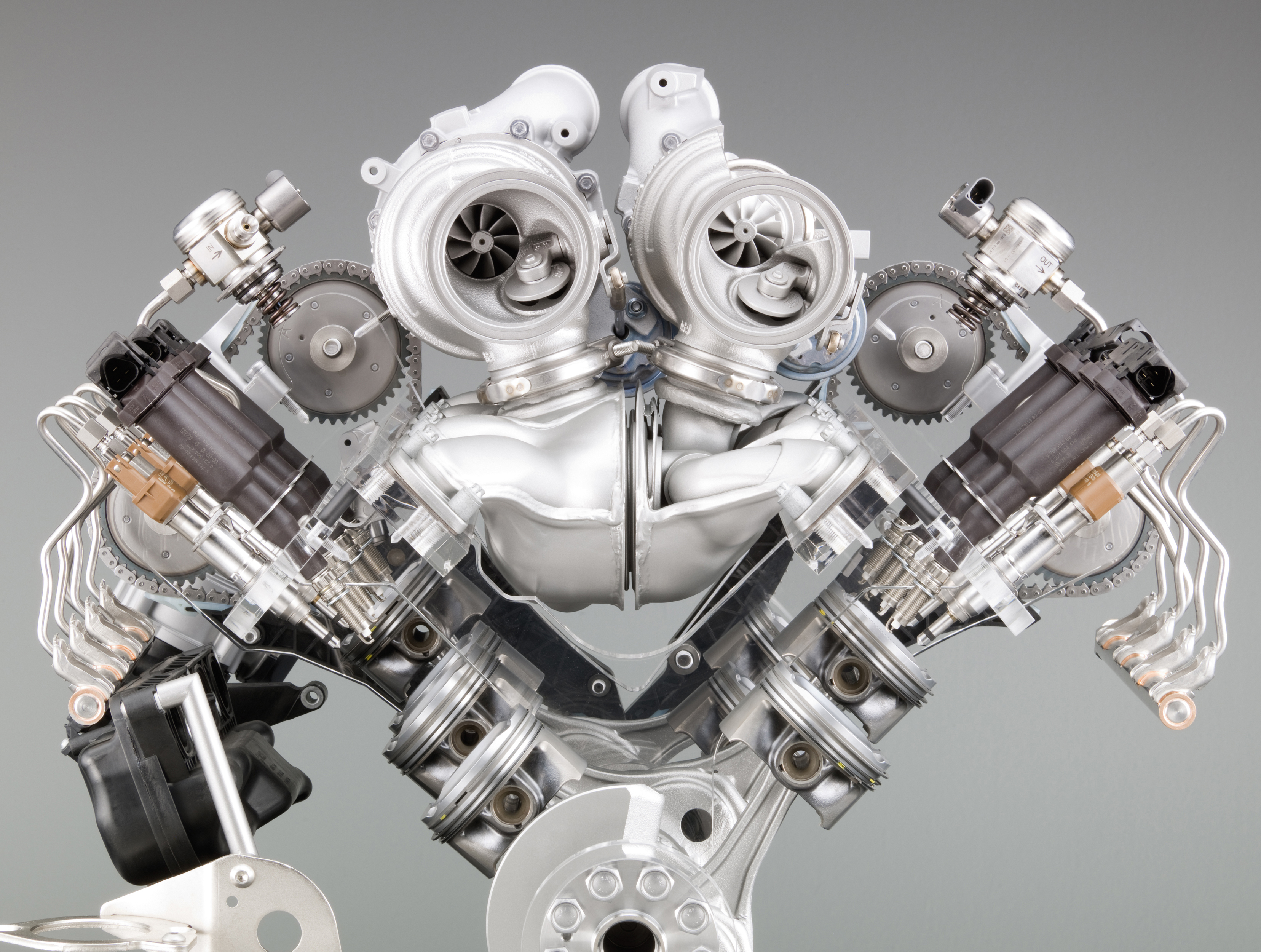 Engine Pictures BMW M5 F10 Concept!-p90045746.jpg