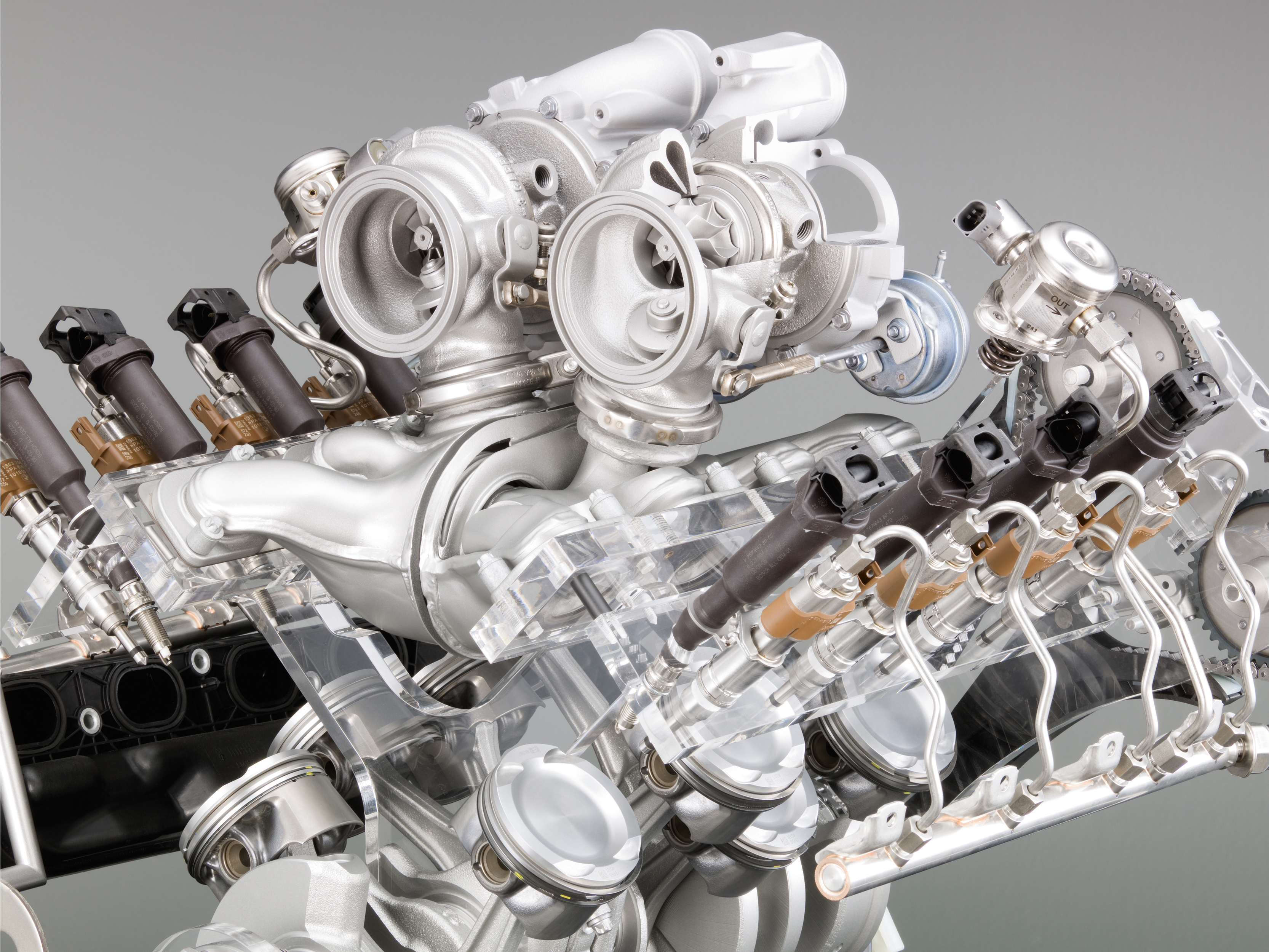 Engine Pictures BMW M5 F10 Concept!-p90045747.jpg