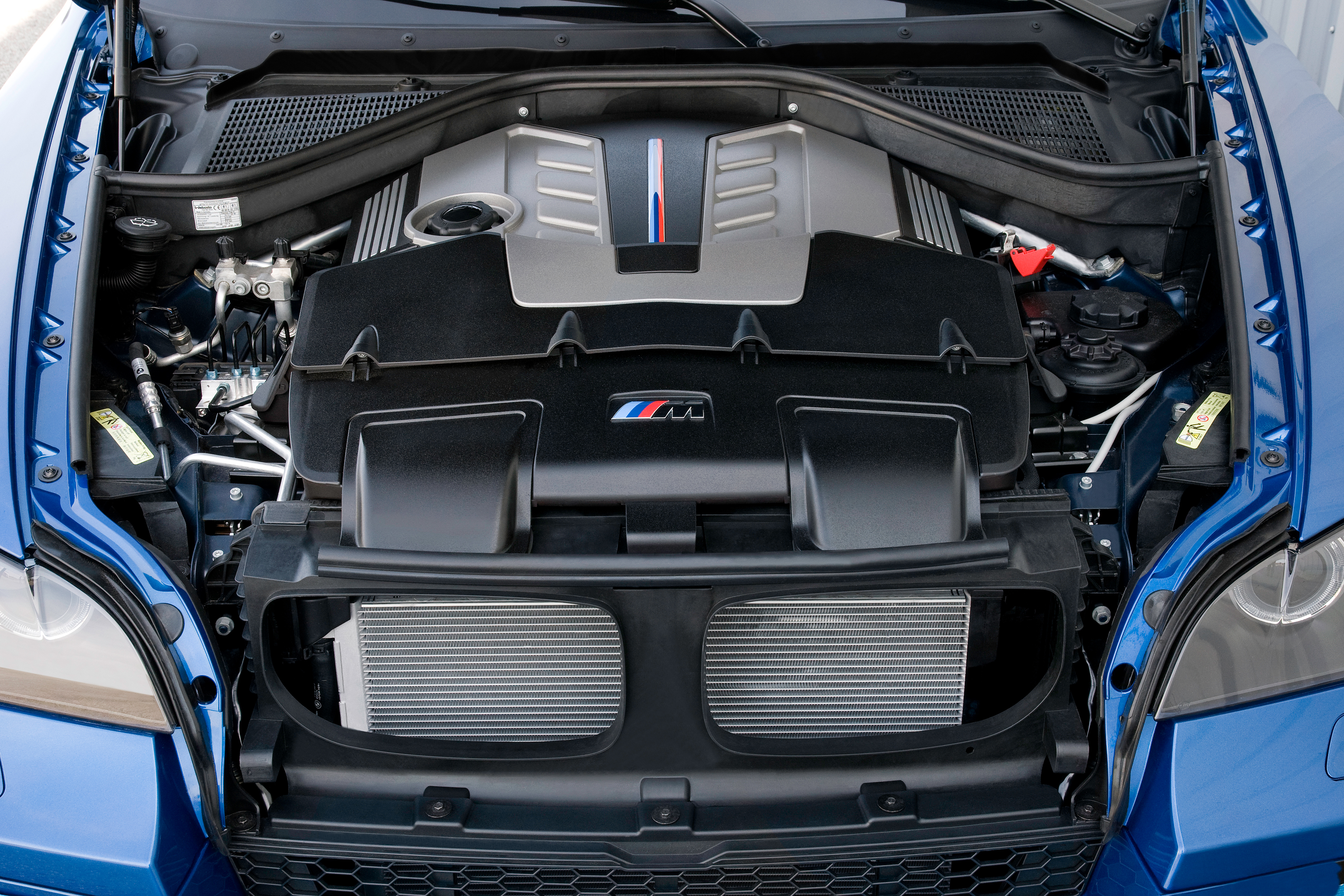 Engine Pictures BMW M5 F10 Concept!-p90045822.jpg