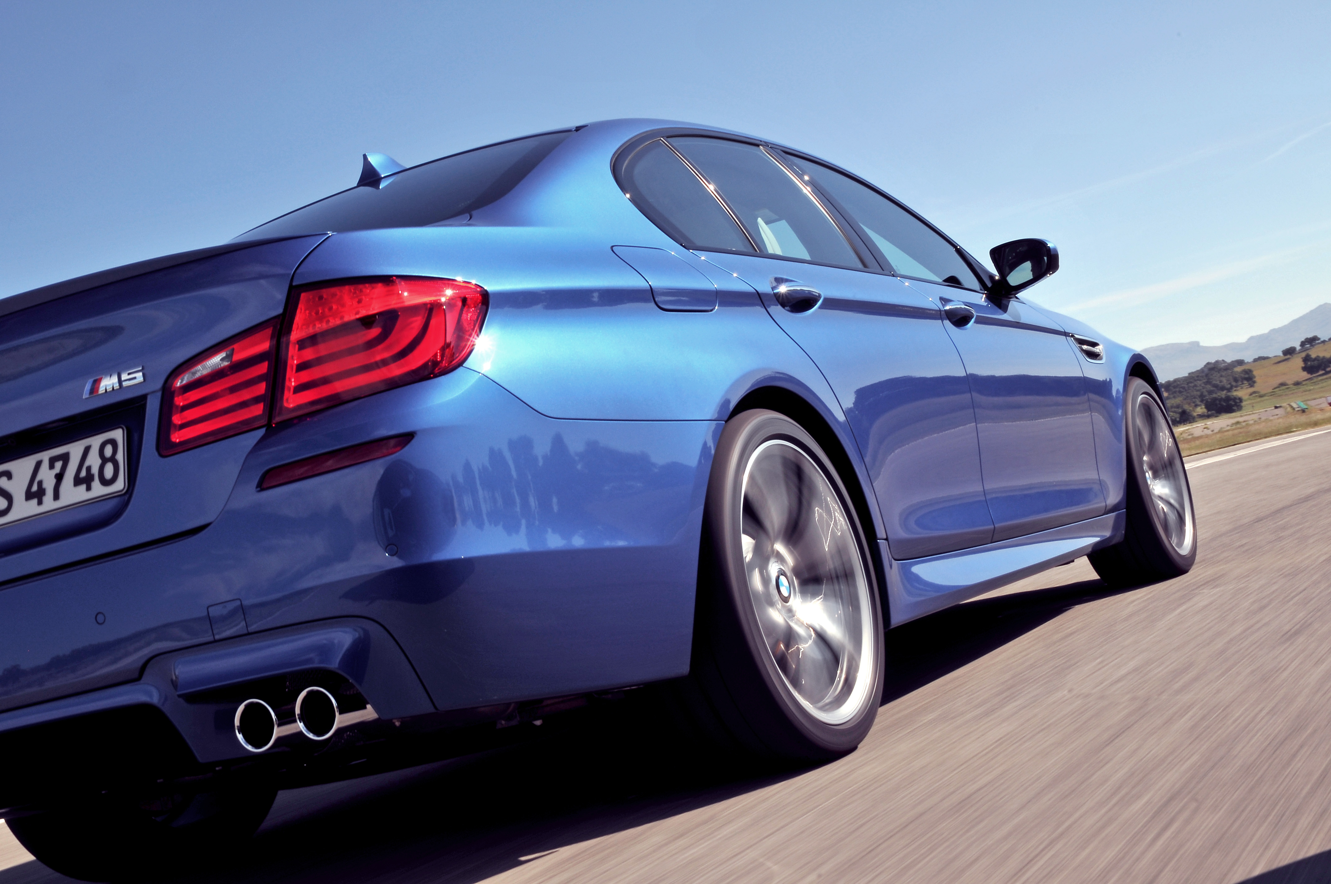 OFFICIAL BMW M5 Production pics high resolution!-p90078286.jpg