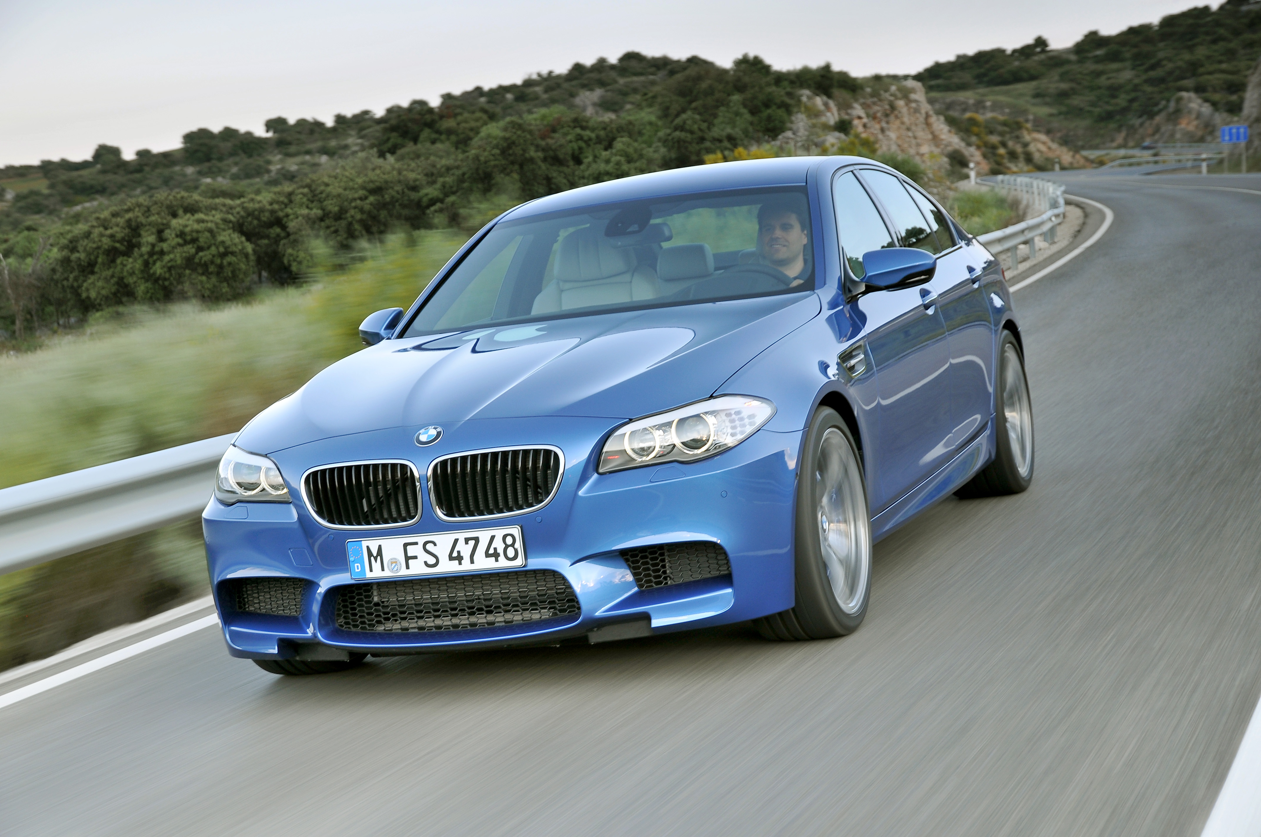 OFFICIAL BMW M5 Production pics high resolution!-p90078287.jpg