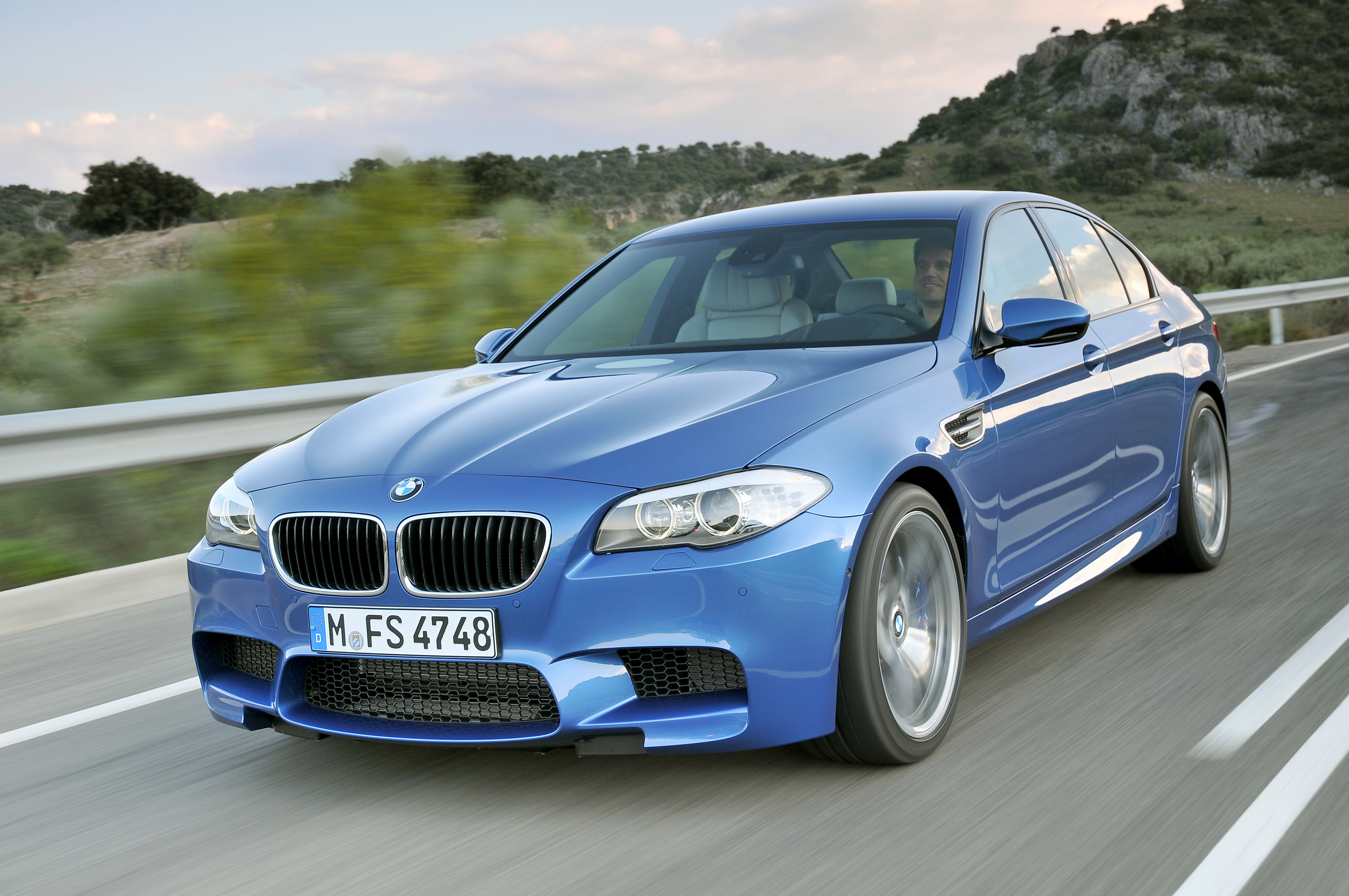 OFFICIAL BMW M5 Production pics high resolution!-p90078288.jpg