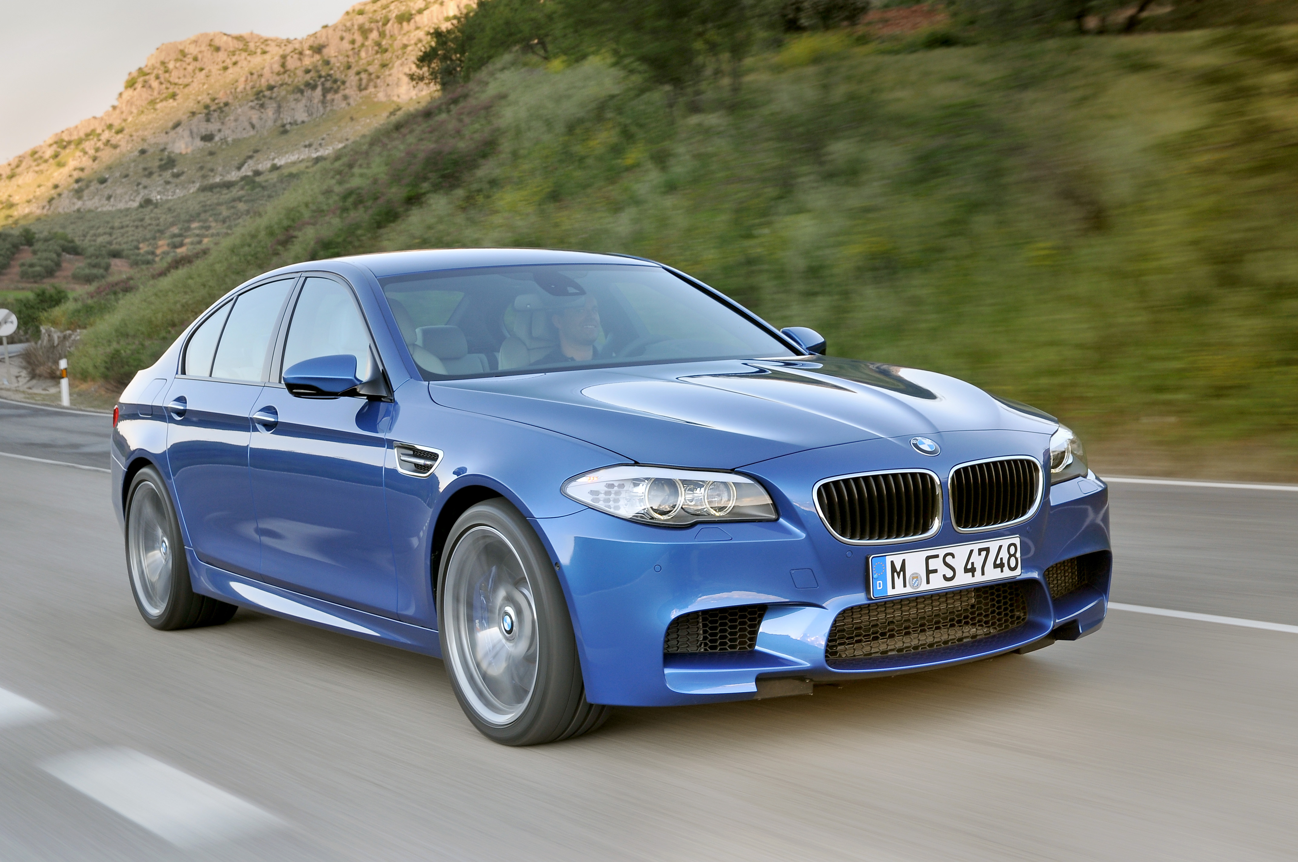 OFFICIAL BMW M5 Production pics high resolution!-p90078289.jpg