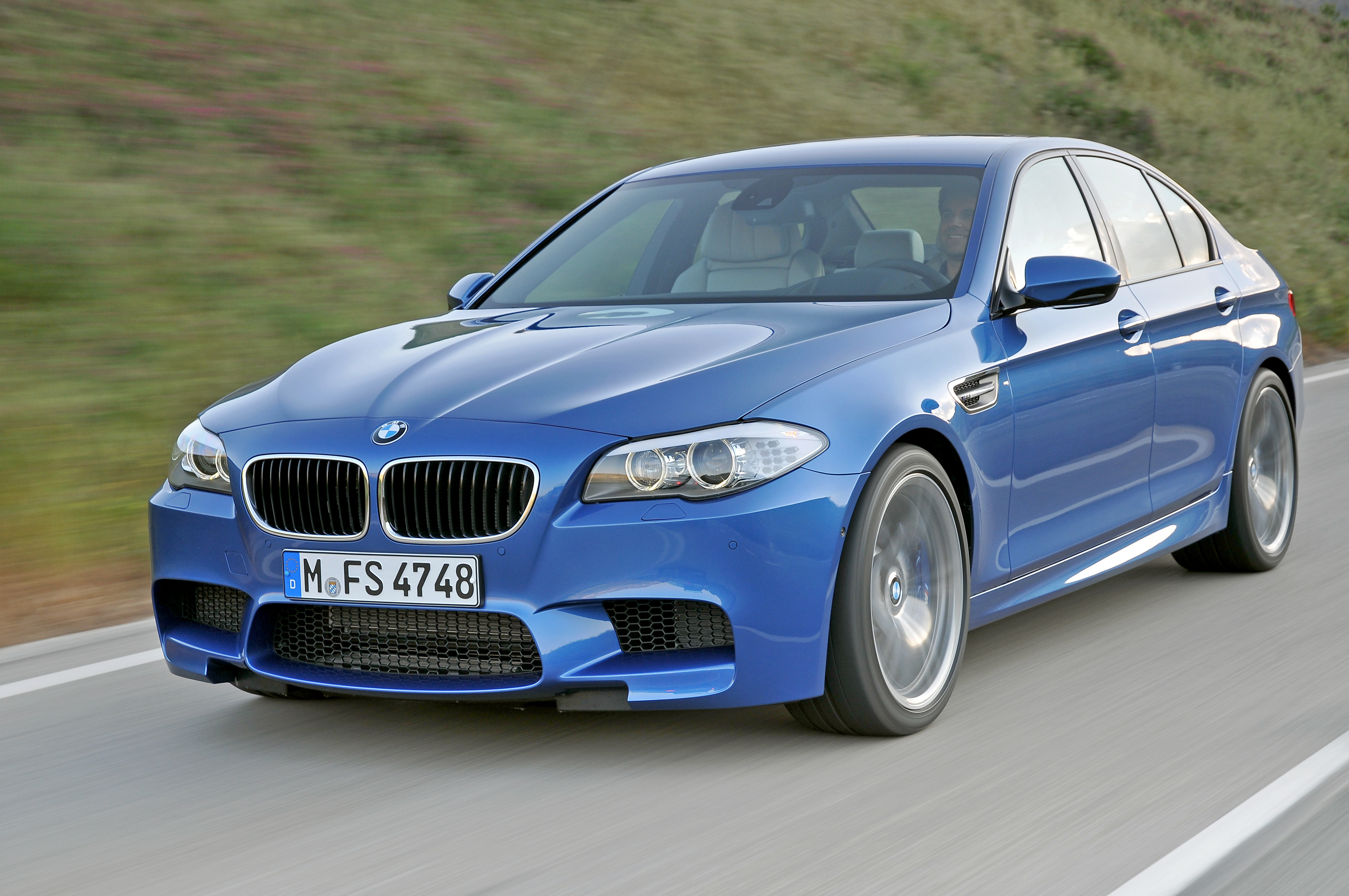 OFFICIAL BMW M5 Production pics high resolution!-p90078291.jpg