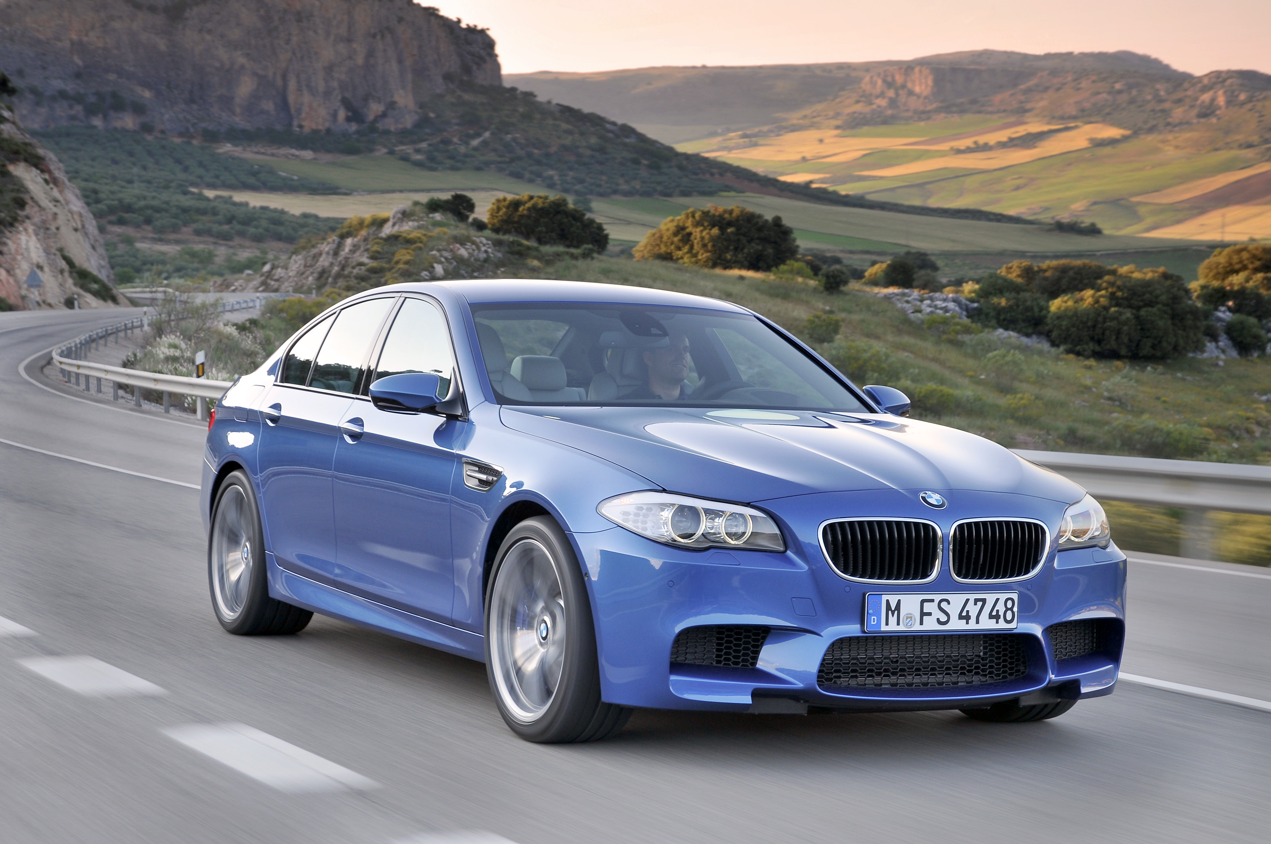 OFFICIAL BMW M5 Production pics high resolution!-p90078292.jpg