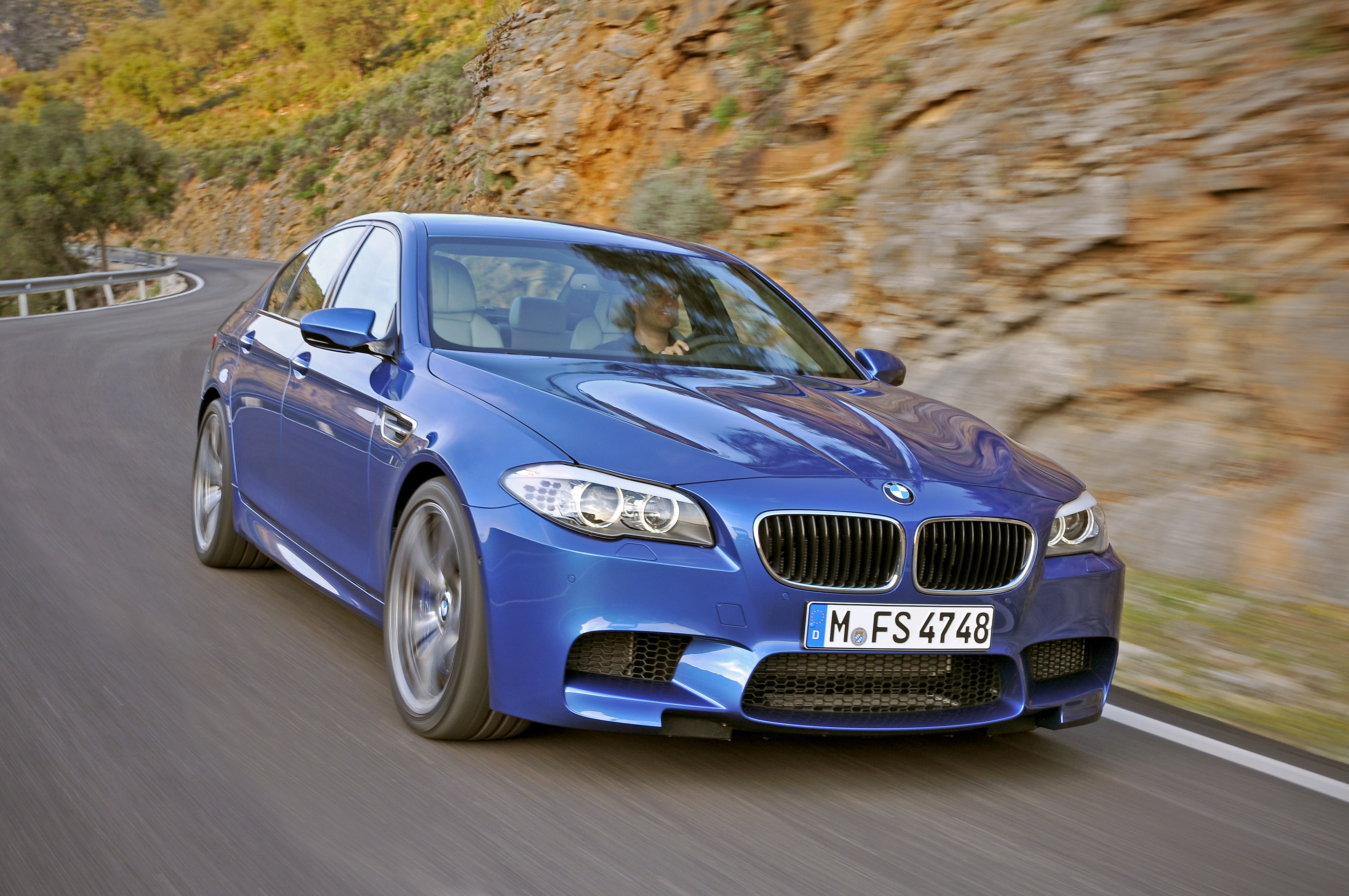 OFFICIAL BMW M5 Production pics high resolution!-p90078297.jpg