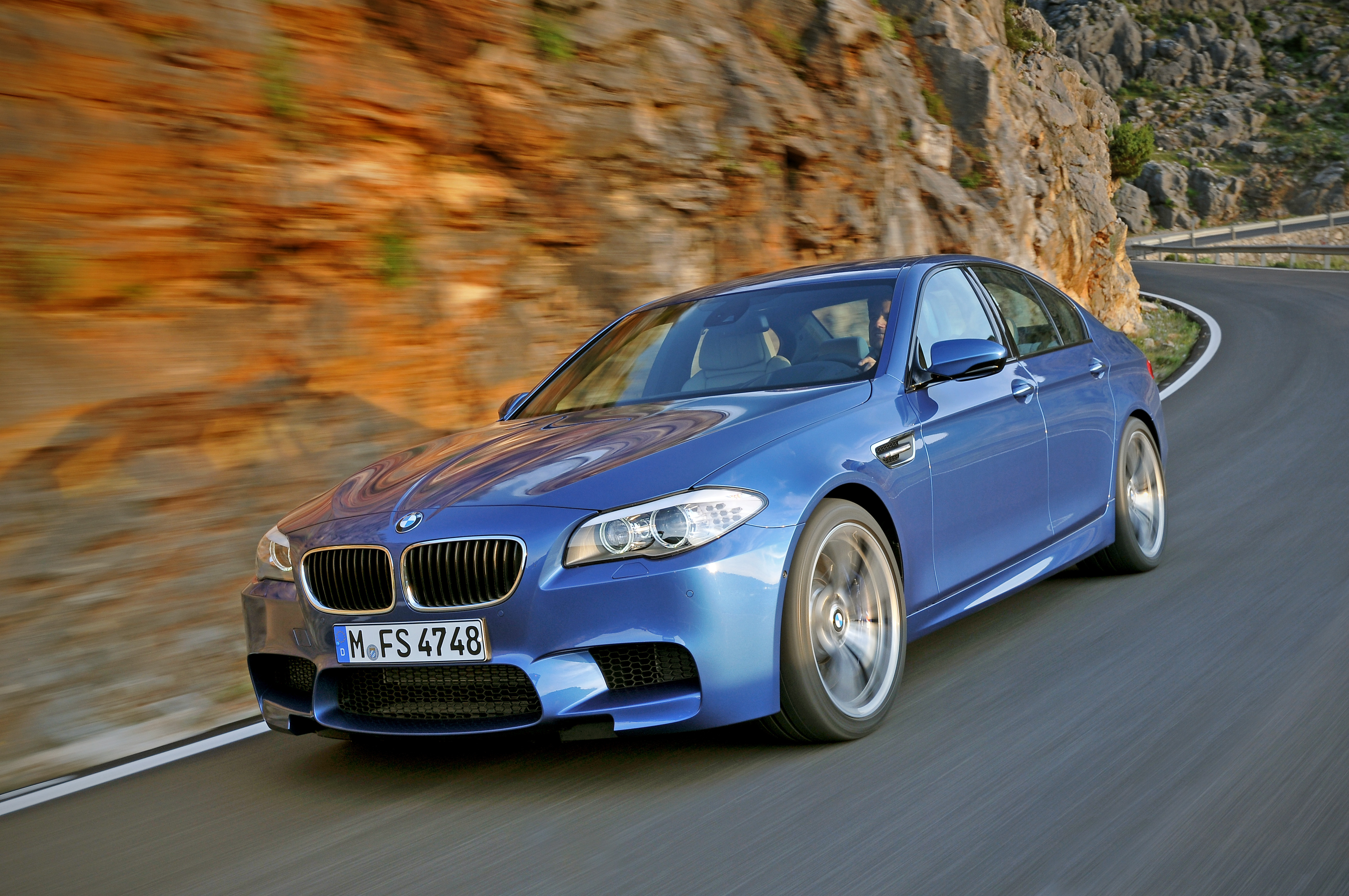 OFFICIAL BMW M5 Production pics high resolution!-p90078299.jpg