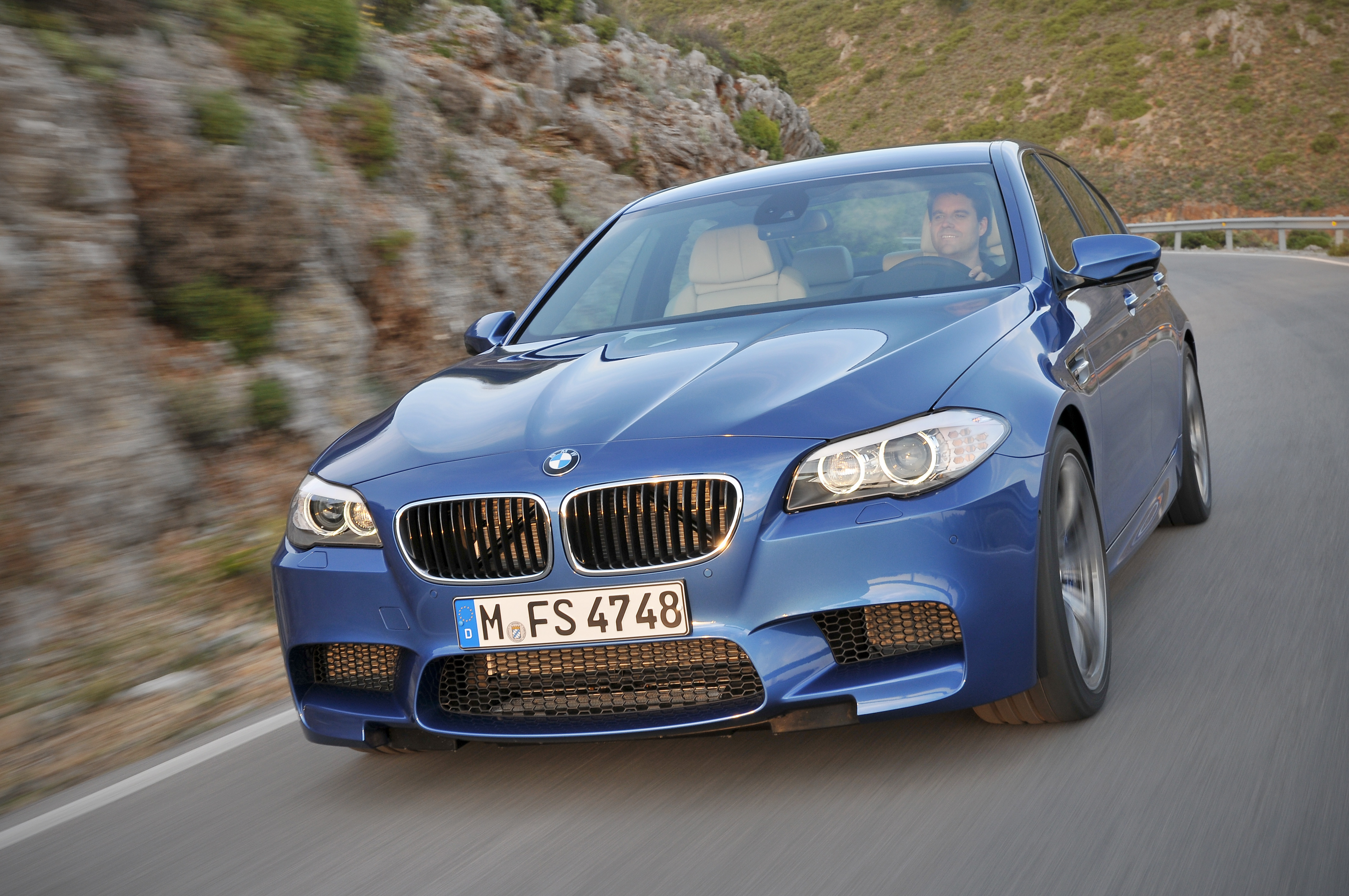 OFFICIAL BMW M5 Production pics high resolution!-p90078301.jpg