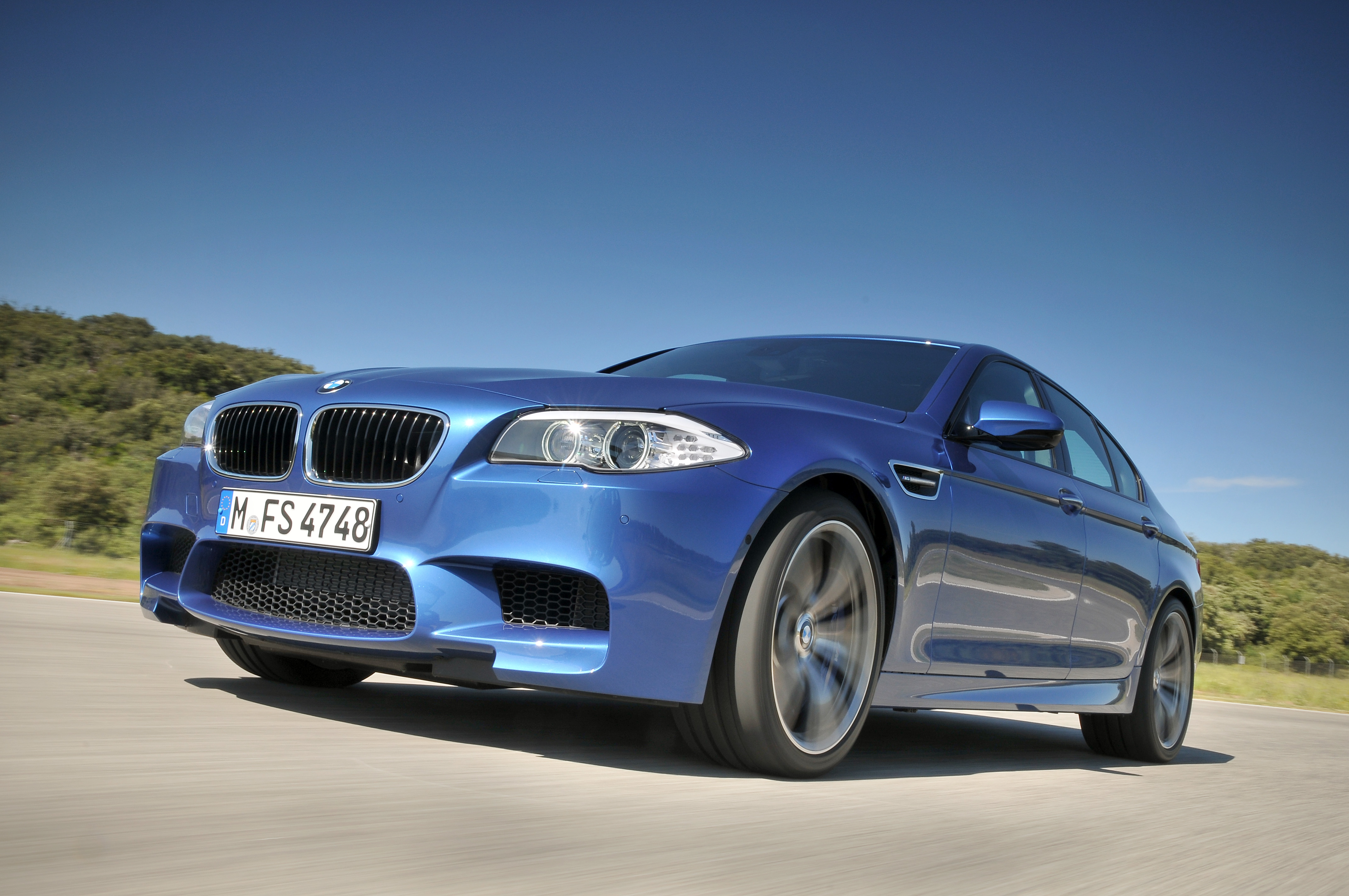 OFFICIAL BMW M5 Production pics high resolution!-p90078302.jpg