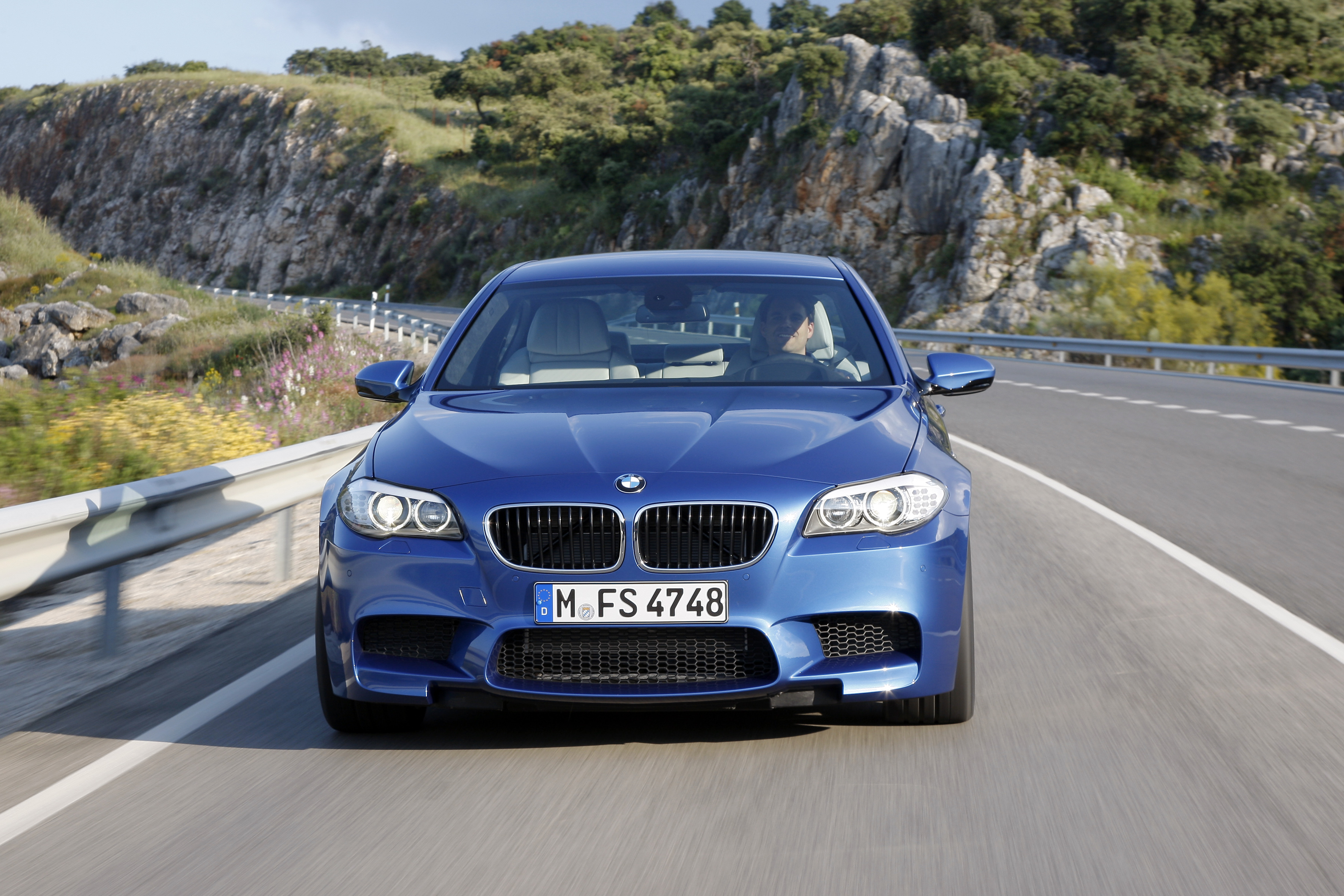 OFFICIAL BMW M5 Production pics high resolution!-p90078325.jpg