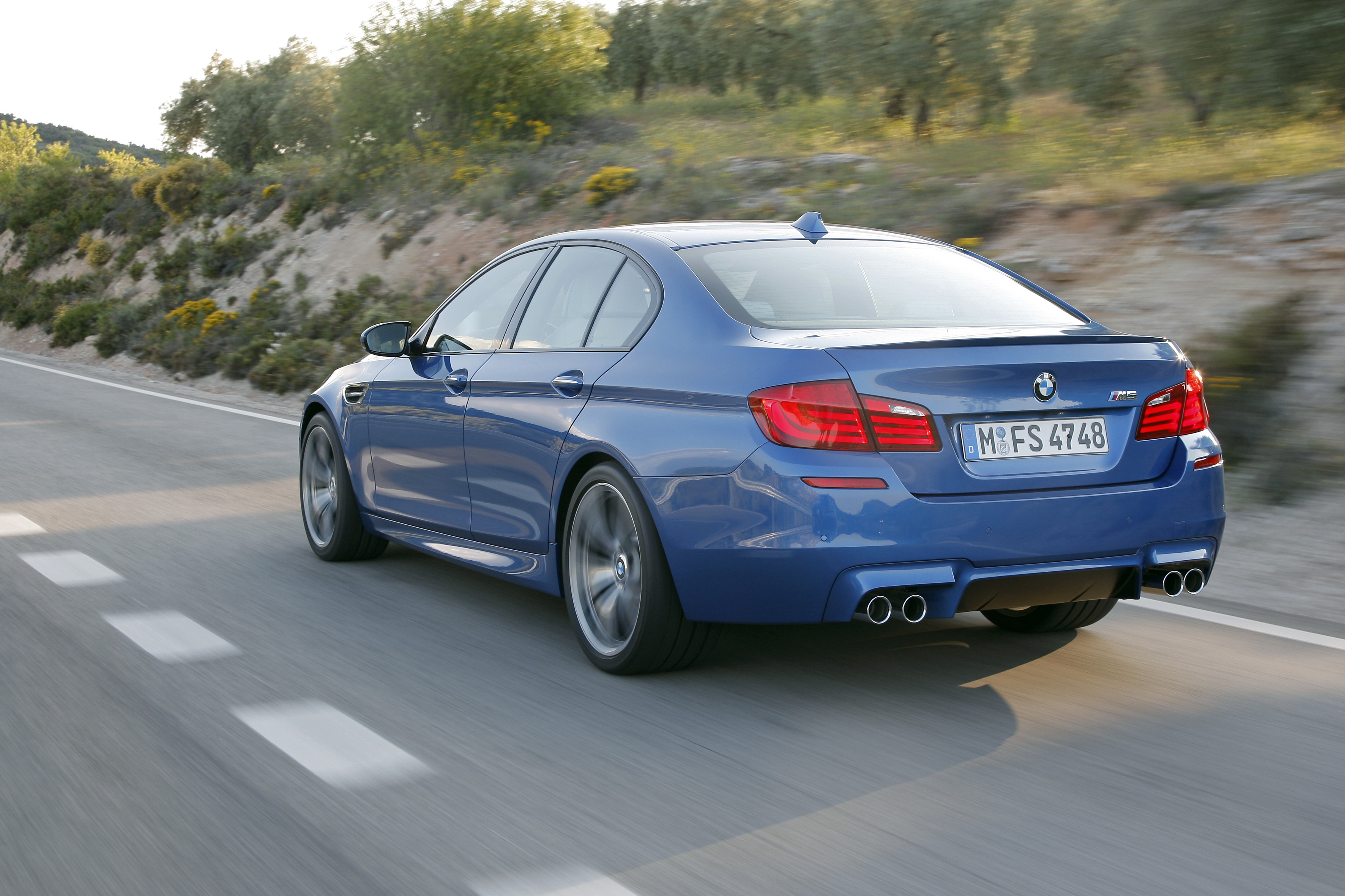 OFFICIAL BMW M5 Production pics high resolution!-p90078336.jpg