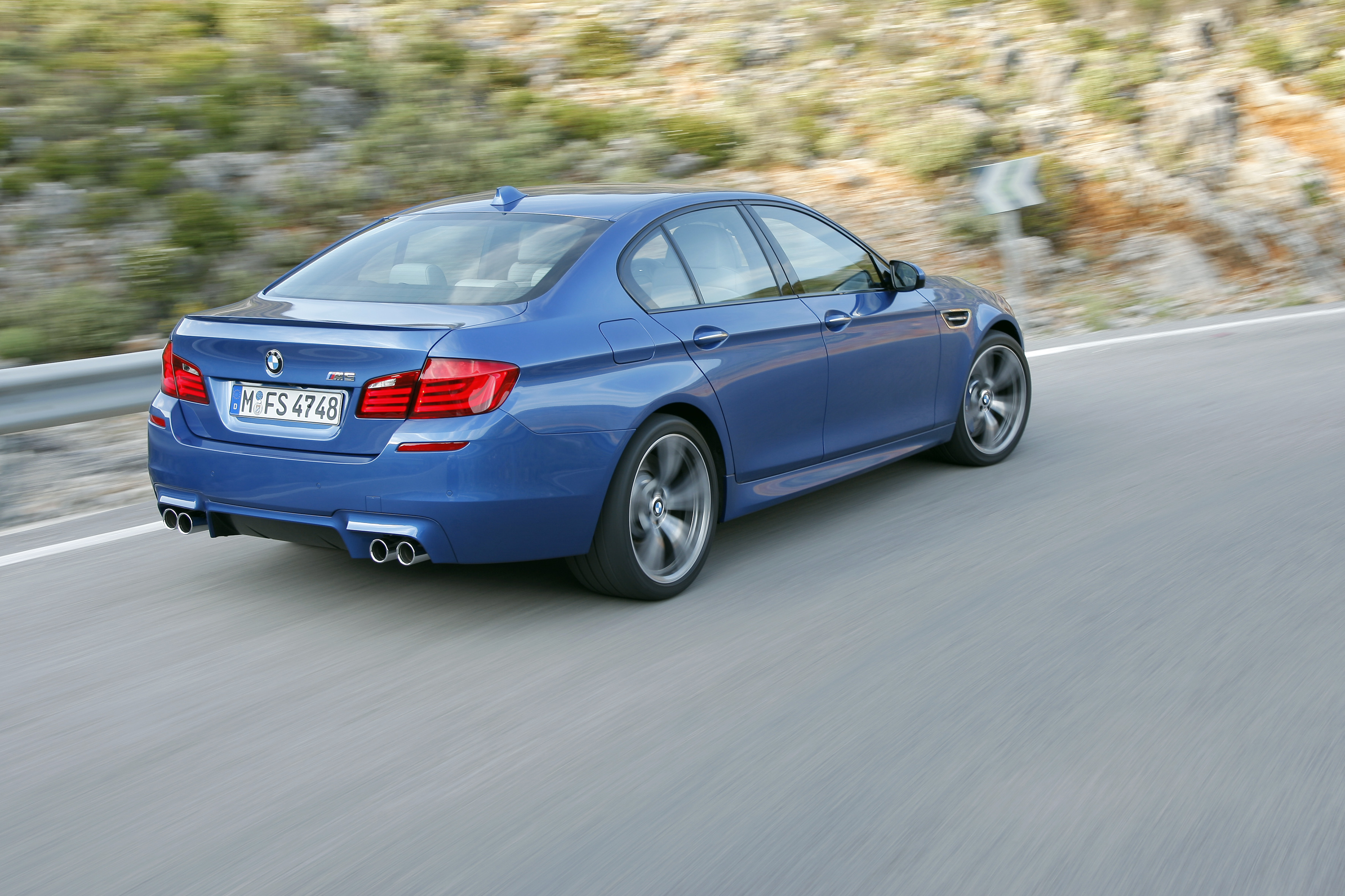 OFFICIAL BMW M5 Production pics high resolution!-p90078352.jpg
