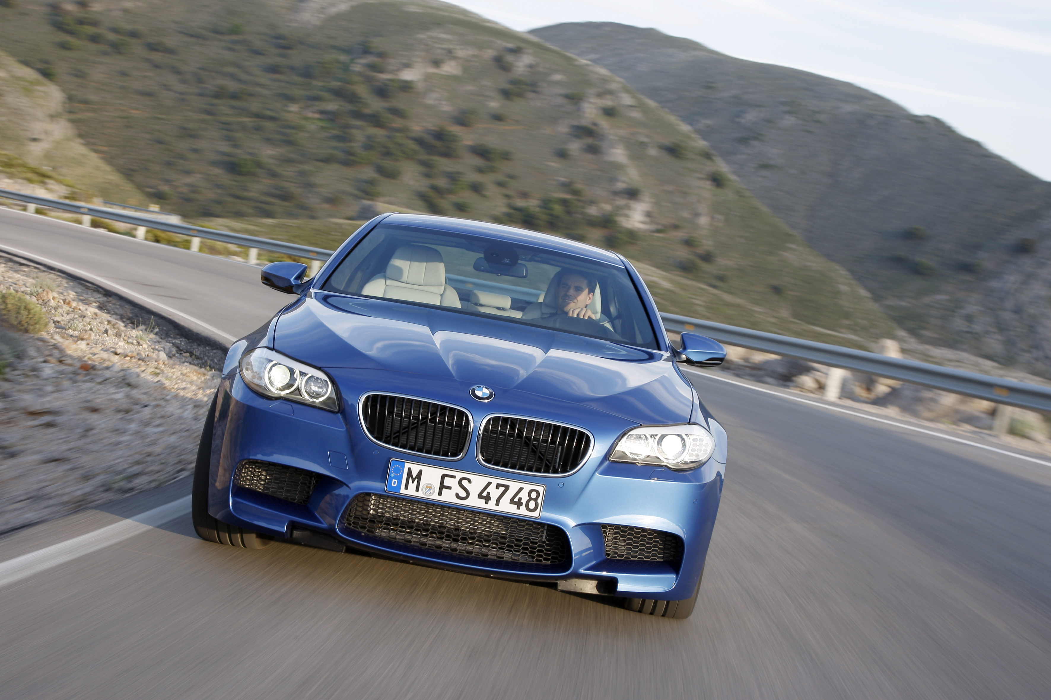 OFFICIAL BMW M5 Production pics high resolution!-p90078355.jpg