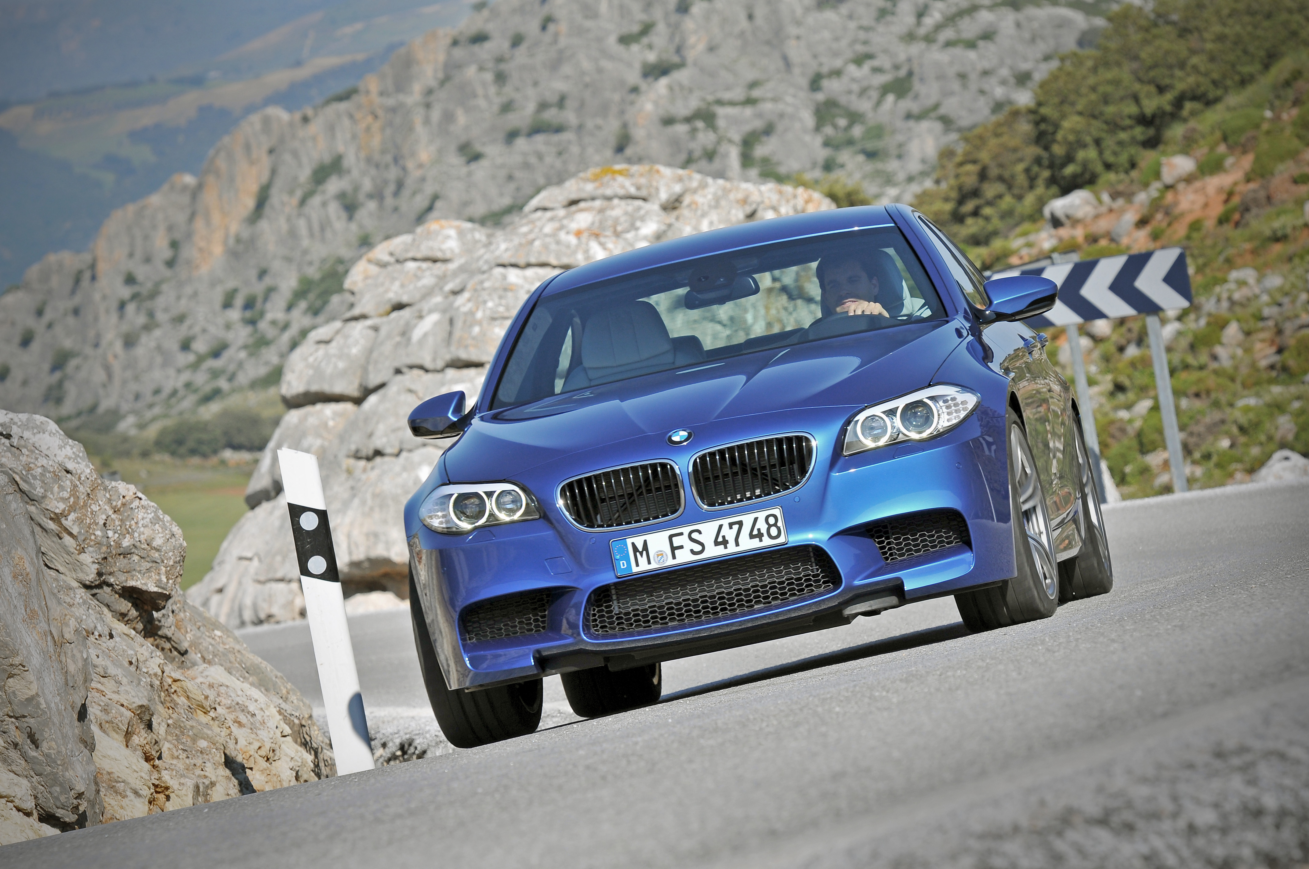 OFFICIAL BMW M5 Production pics high resolution!-p90078357.jpg