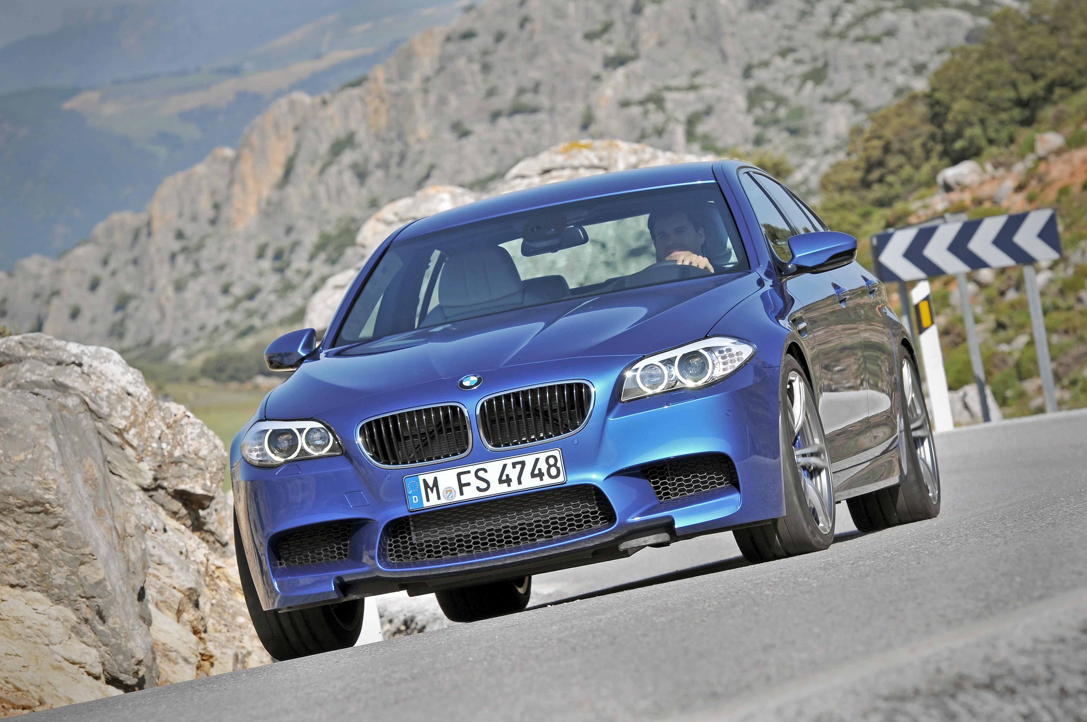OFFICIAL BMW M5 Production pics high resolution!-p90078358.jpg