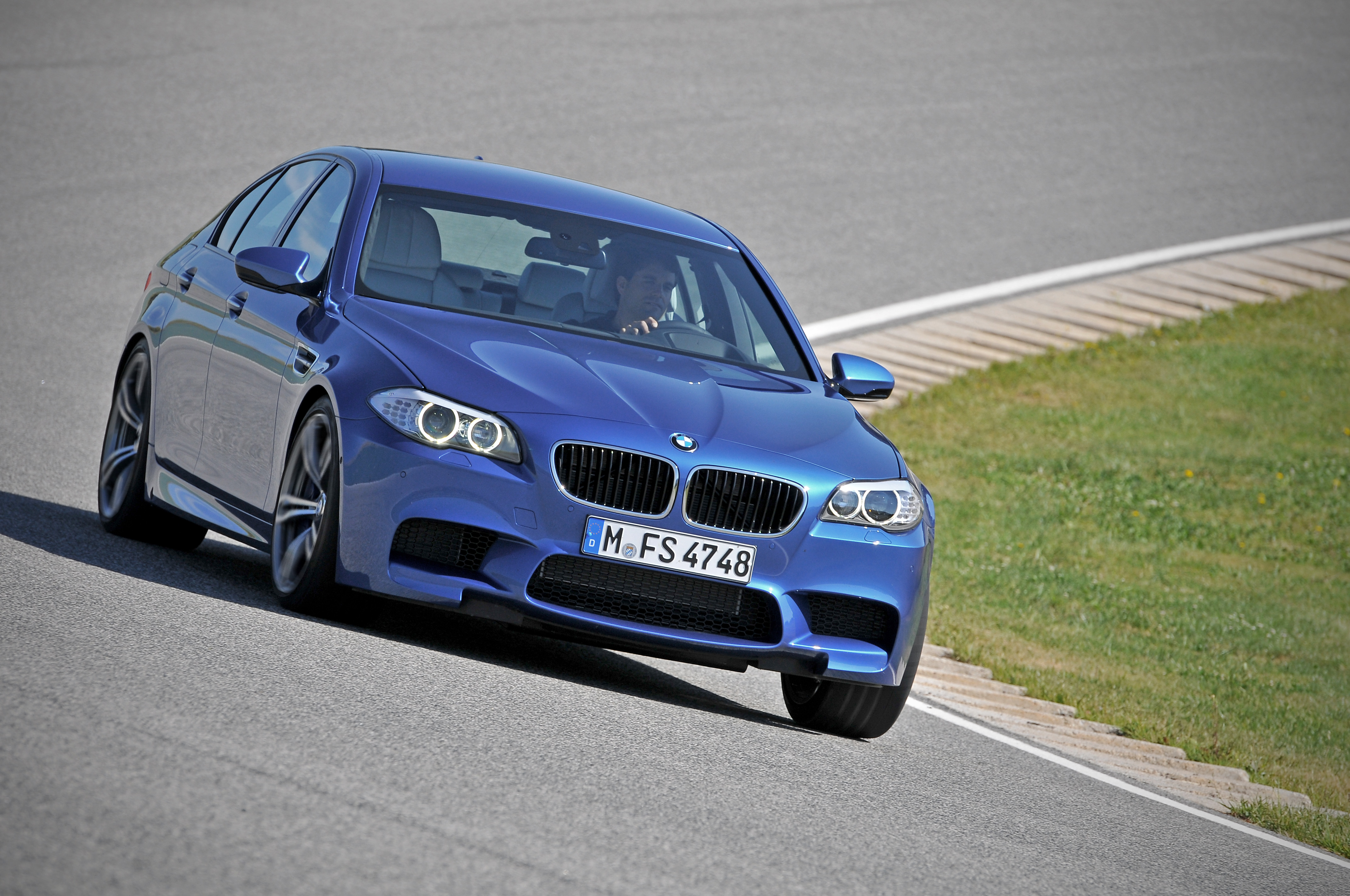 OFFICIAL BMW M5 Production pics high resolution!-p90078360.jpg