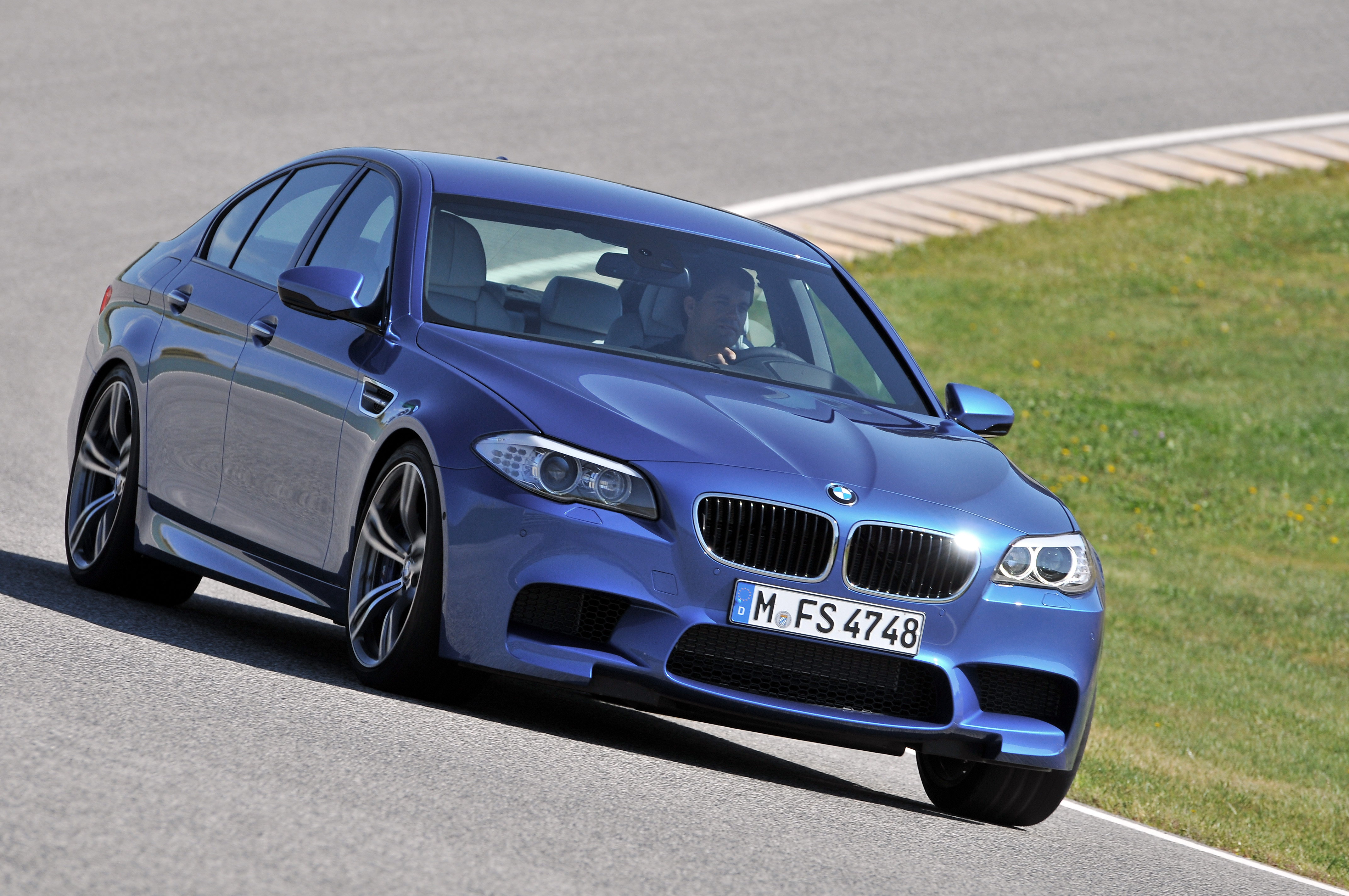 OFFICIAL BMW M5 Production pics high resolution!-p90078361.jpg