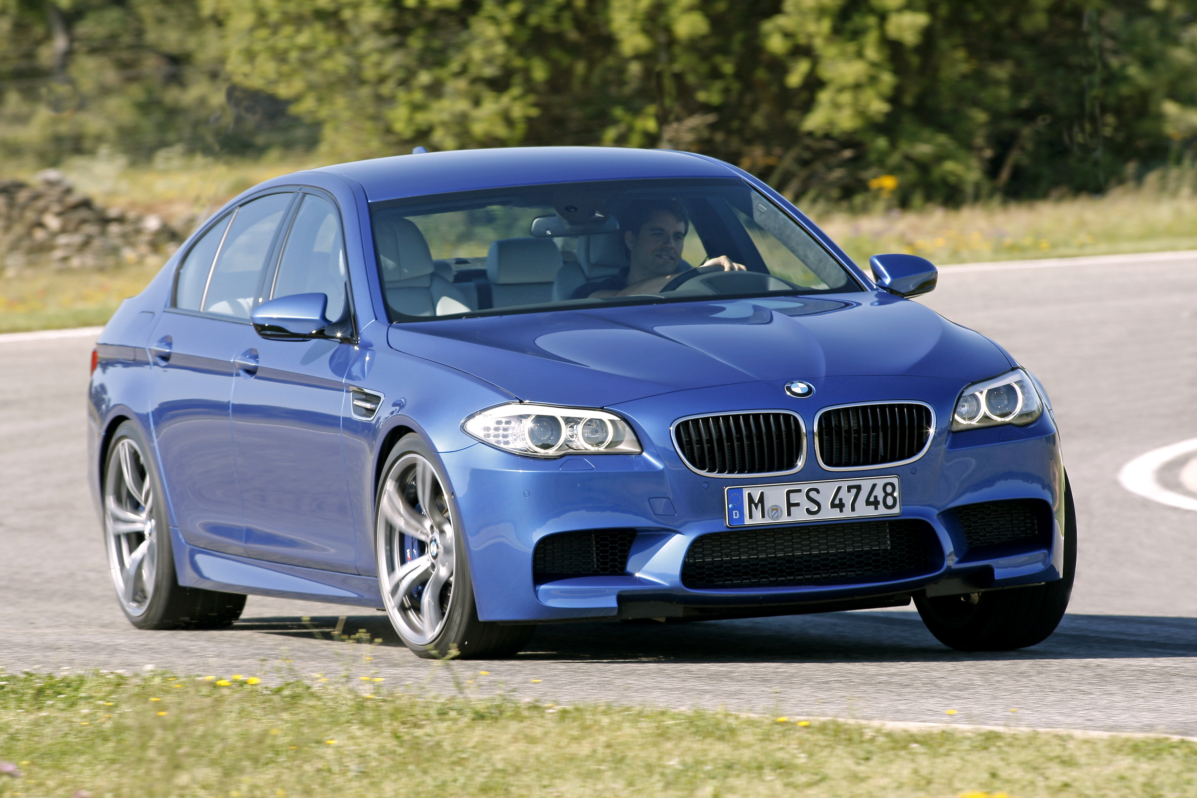 OFFICIAL BMW M5 Production pics high resolution!-p90078363.jpg