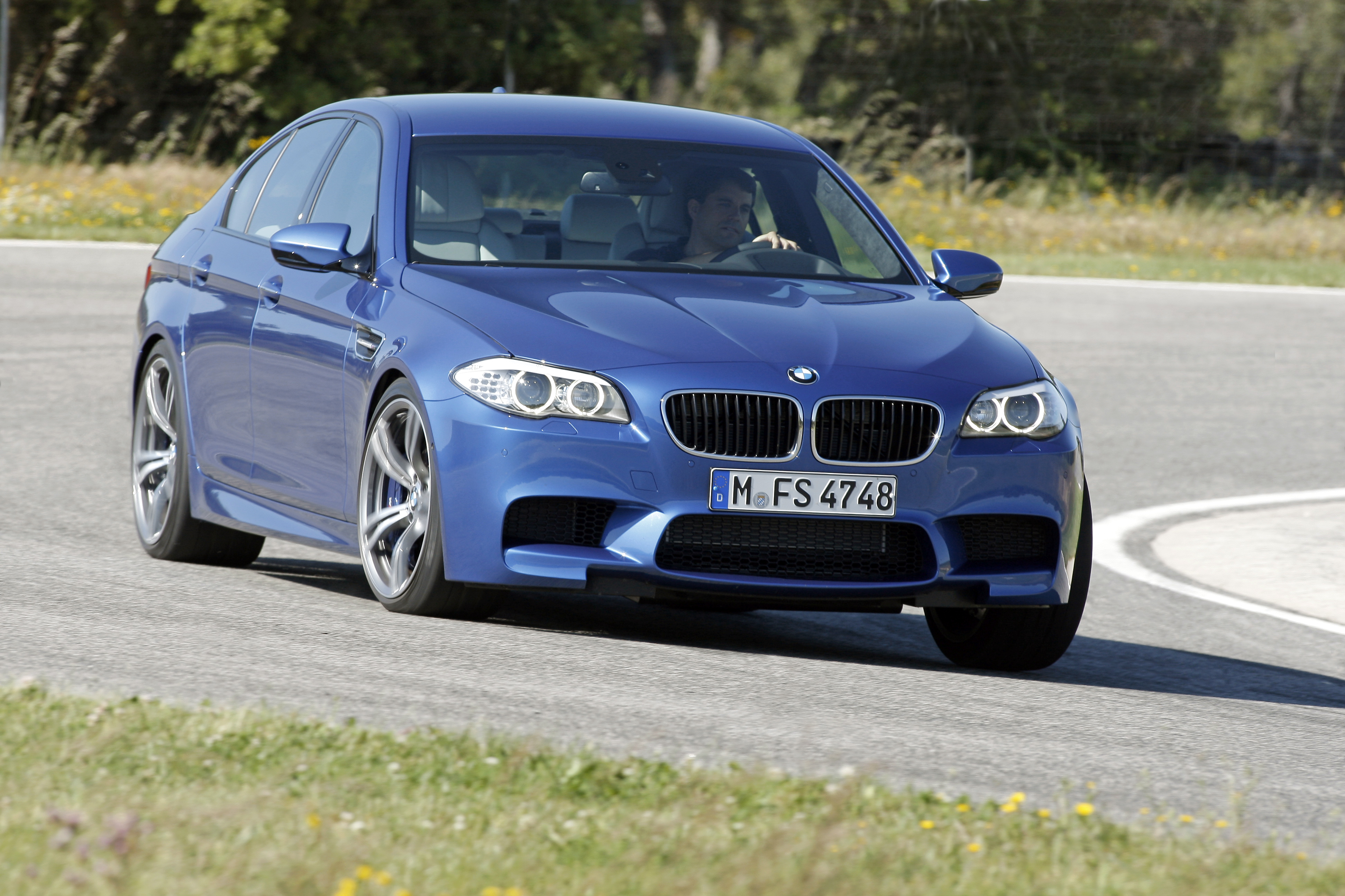 OFFICIAL BMW M5 Production pics high resolution!-p90078364.jpg