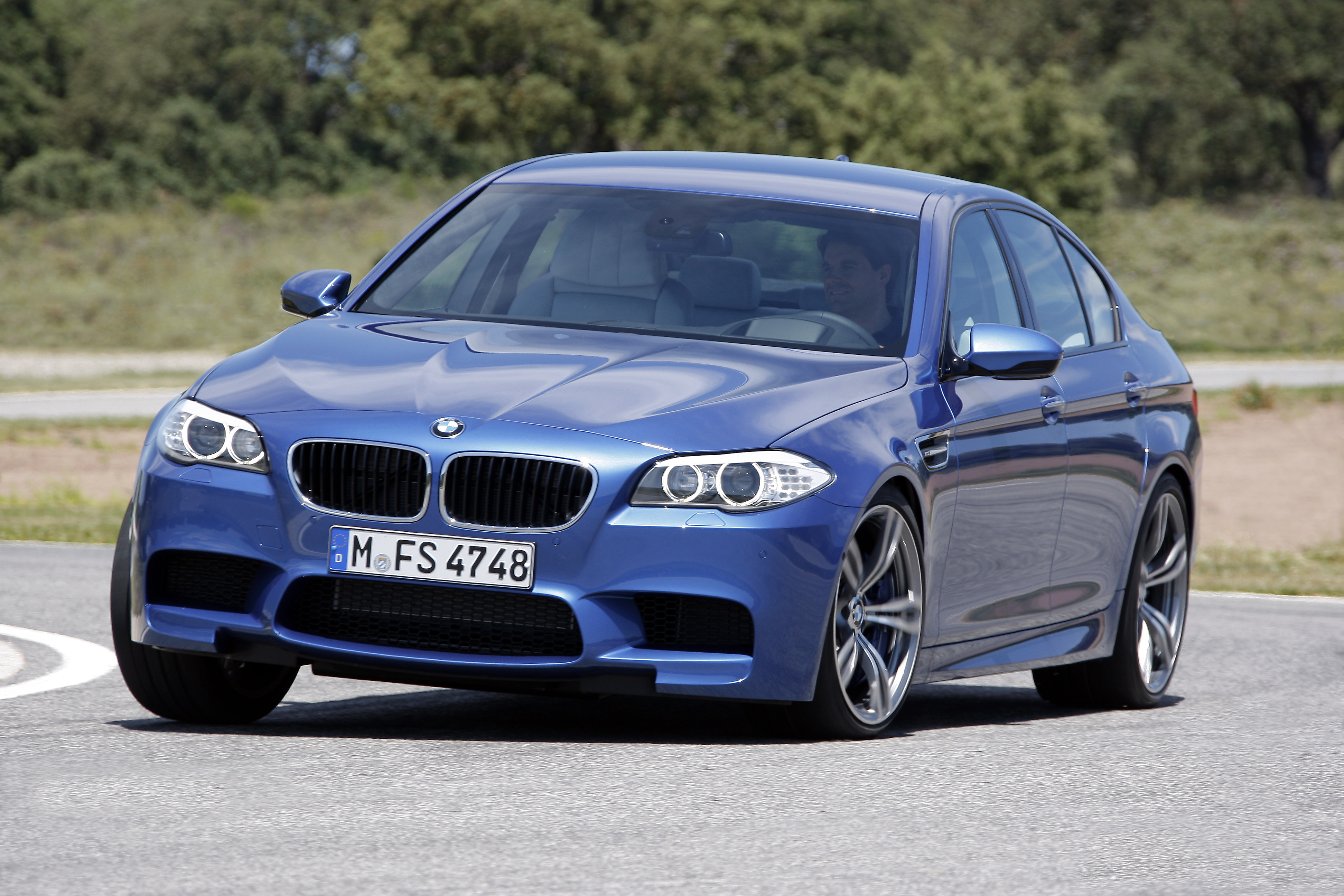OFFICIAL BMW M5 Production pics high resolution!-p90078367.jpg