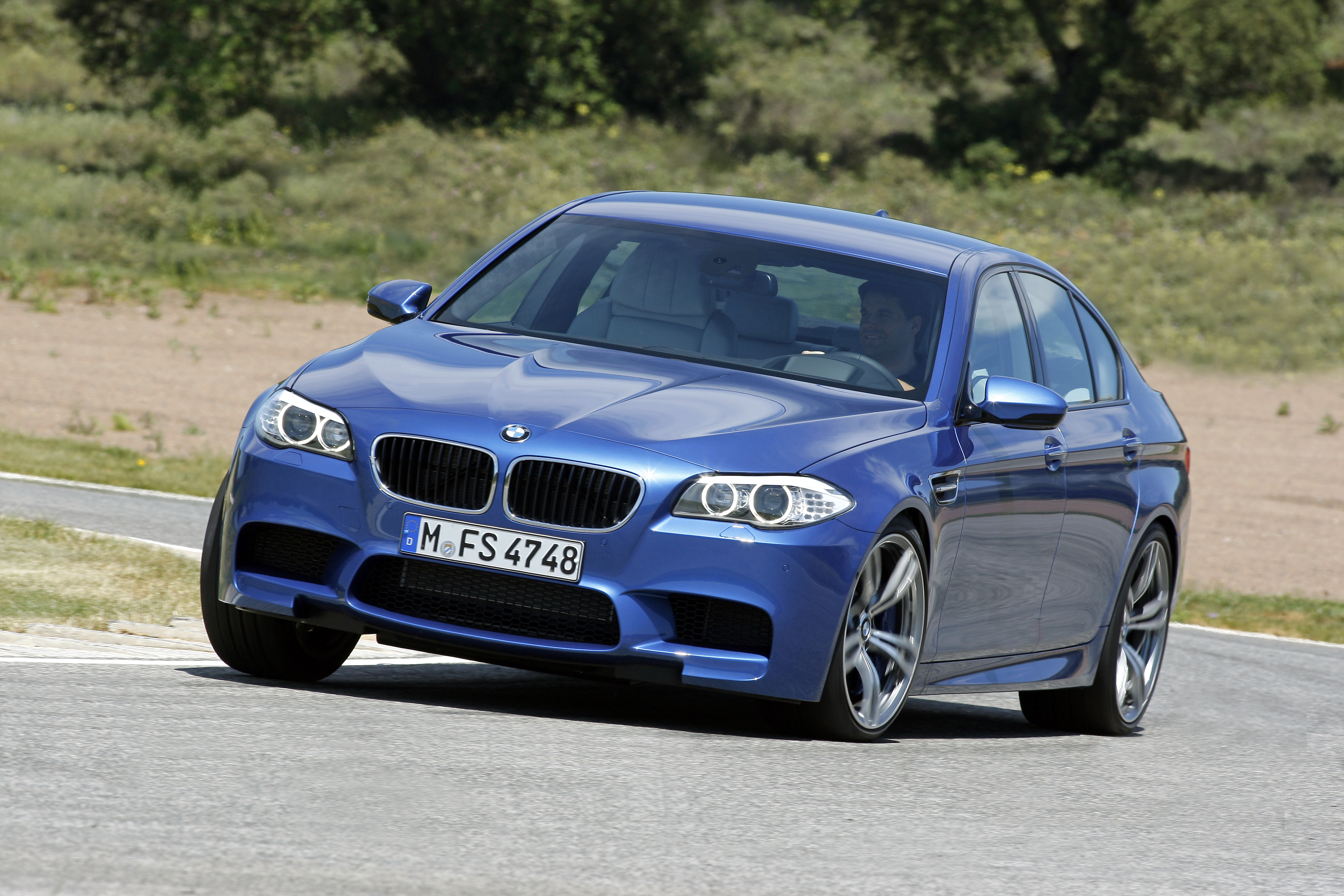 OFFICIAL BMW M5 Production pics high resolution!-p90078368.jpg