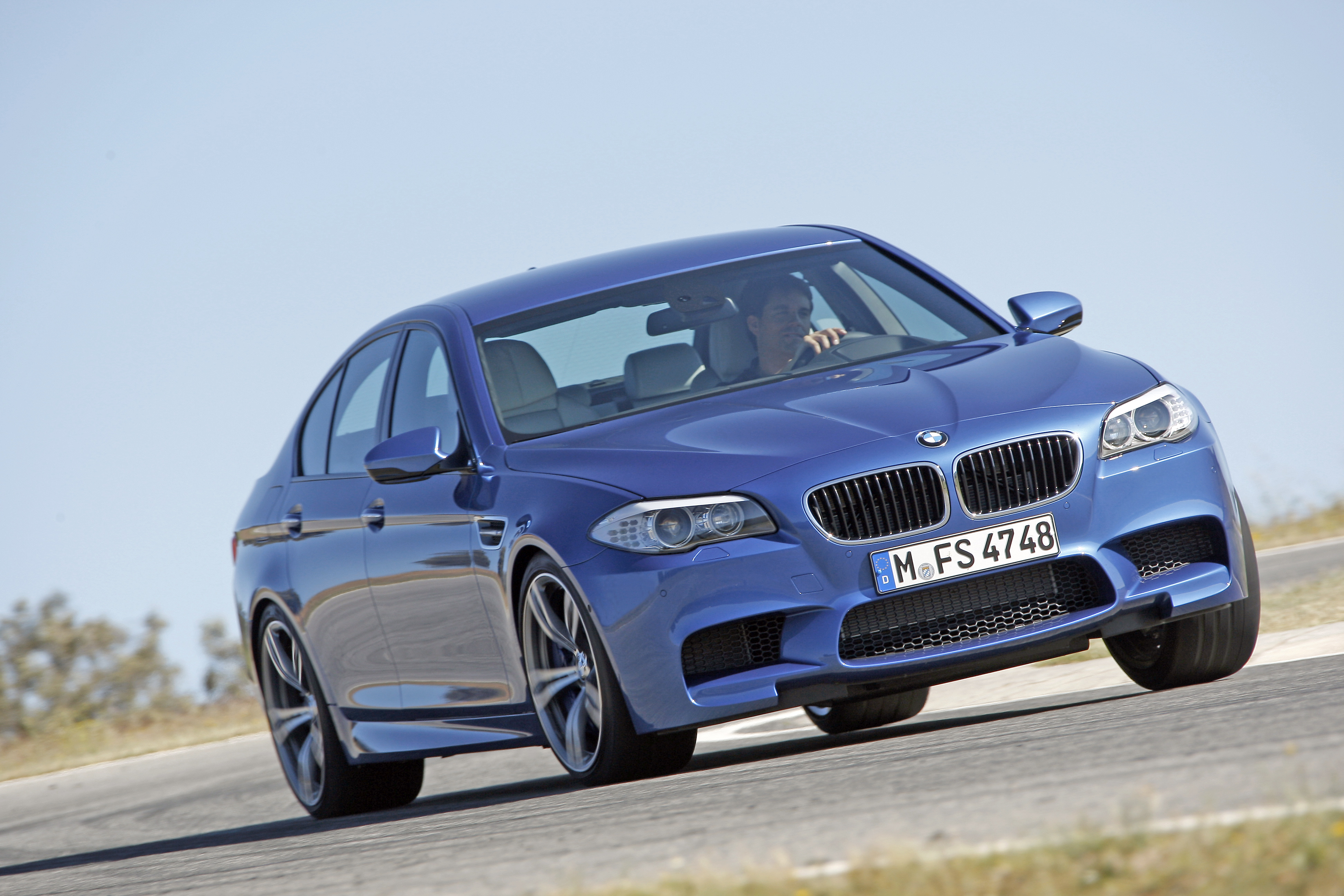OFFICIAL BMW M5 Production pics high resolution!-p90078369.jpg