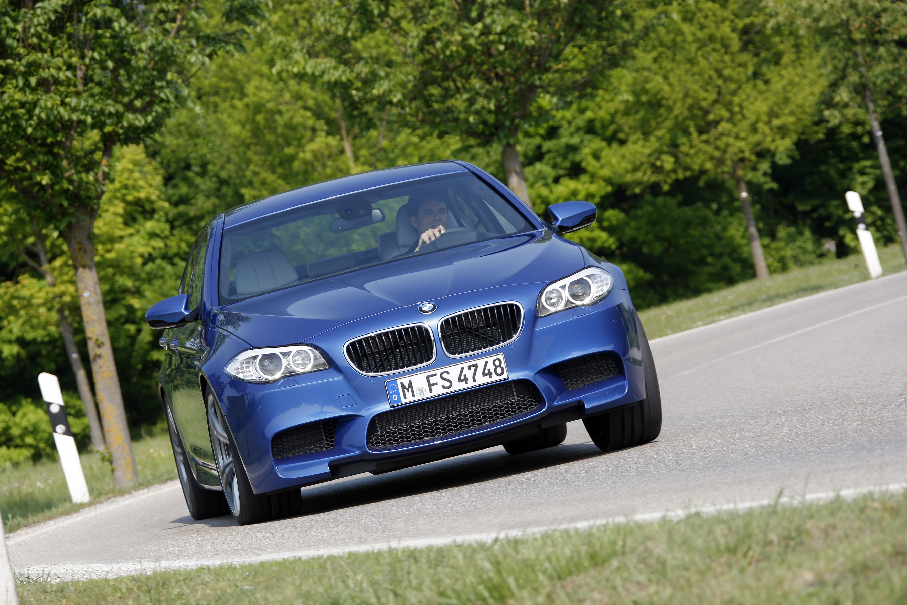 OFFICIAL BMW M5 Production pics high resolution!-p90078373.jpg