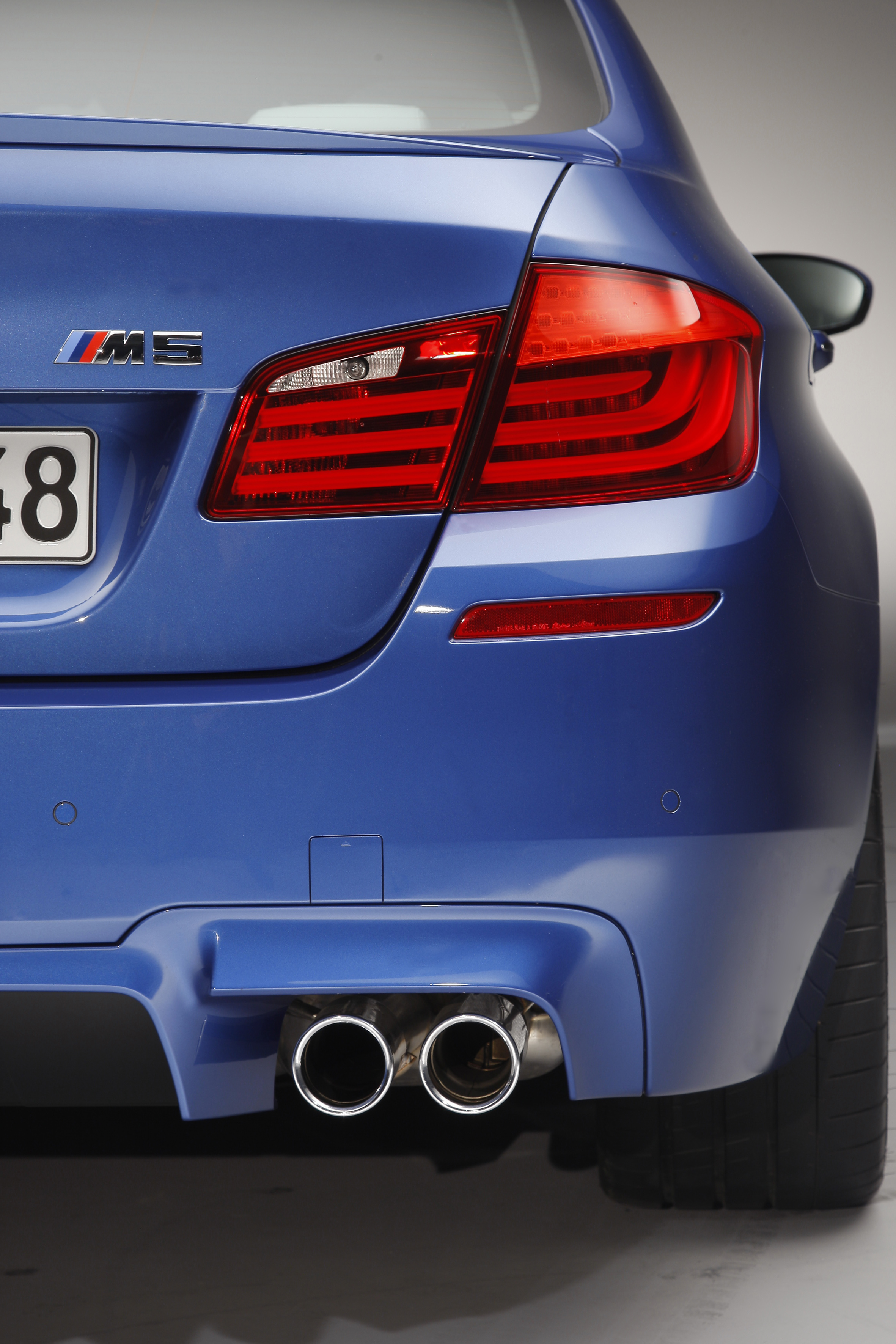 OFFICIAL BMW M5 Production pics high resolution!-p90078400.jpg